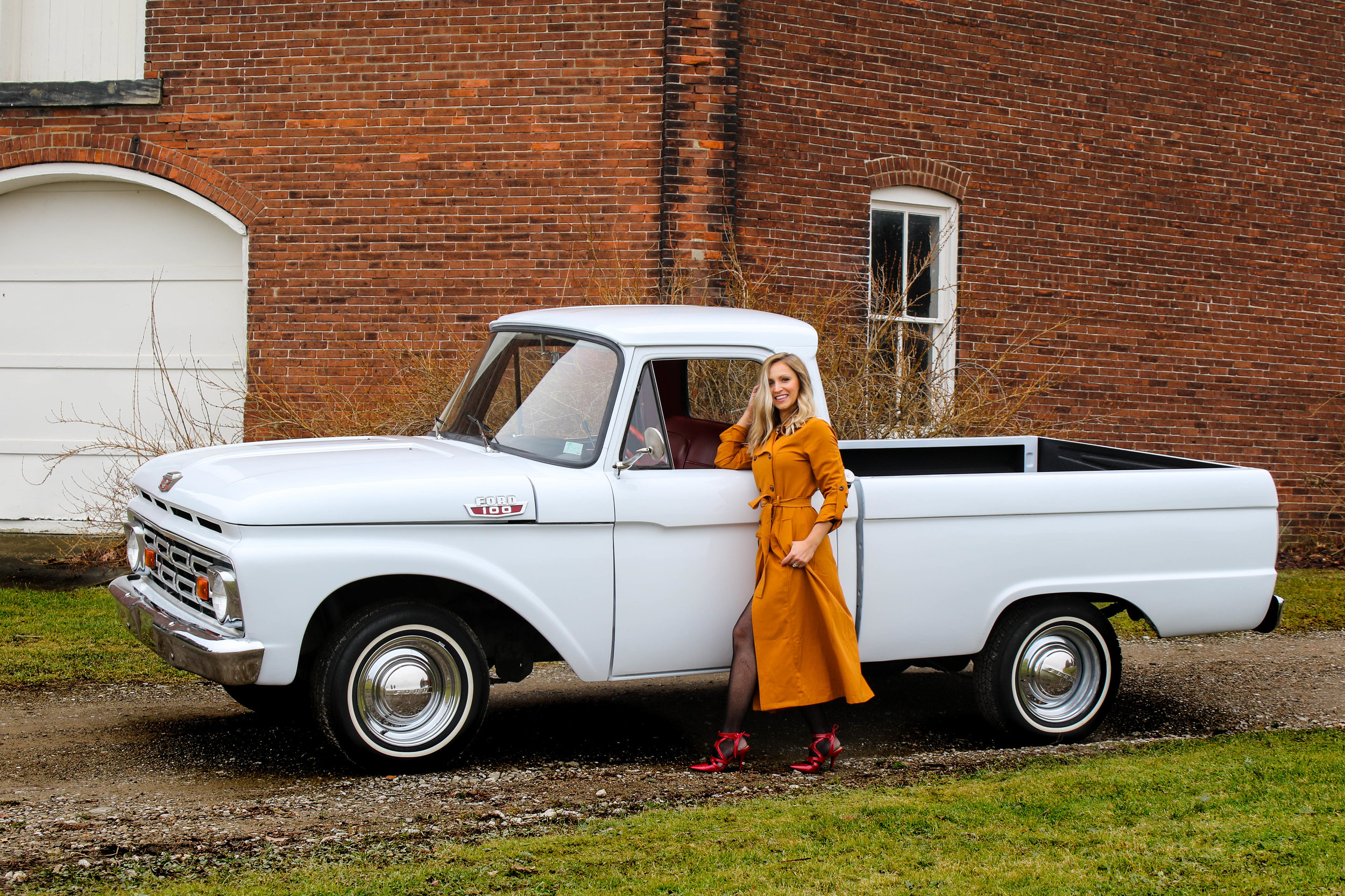 1964 Ford F100 - *Click to View Build