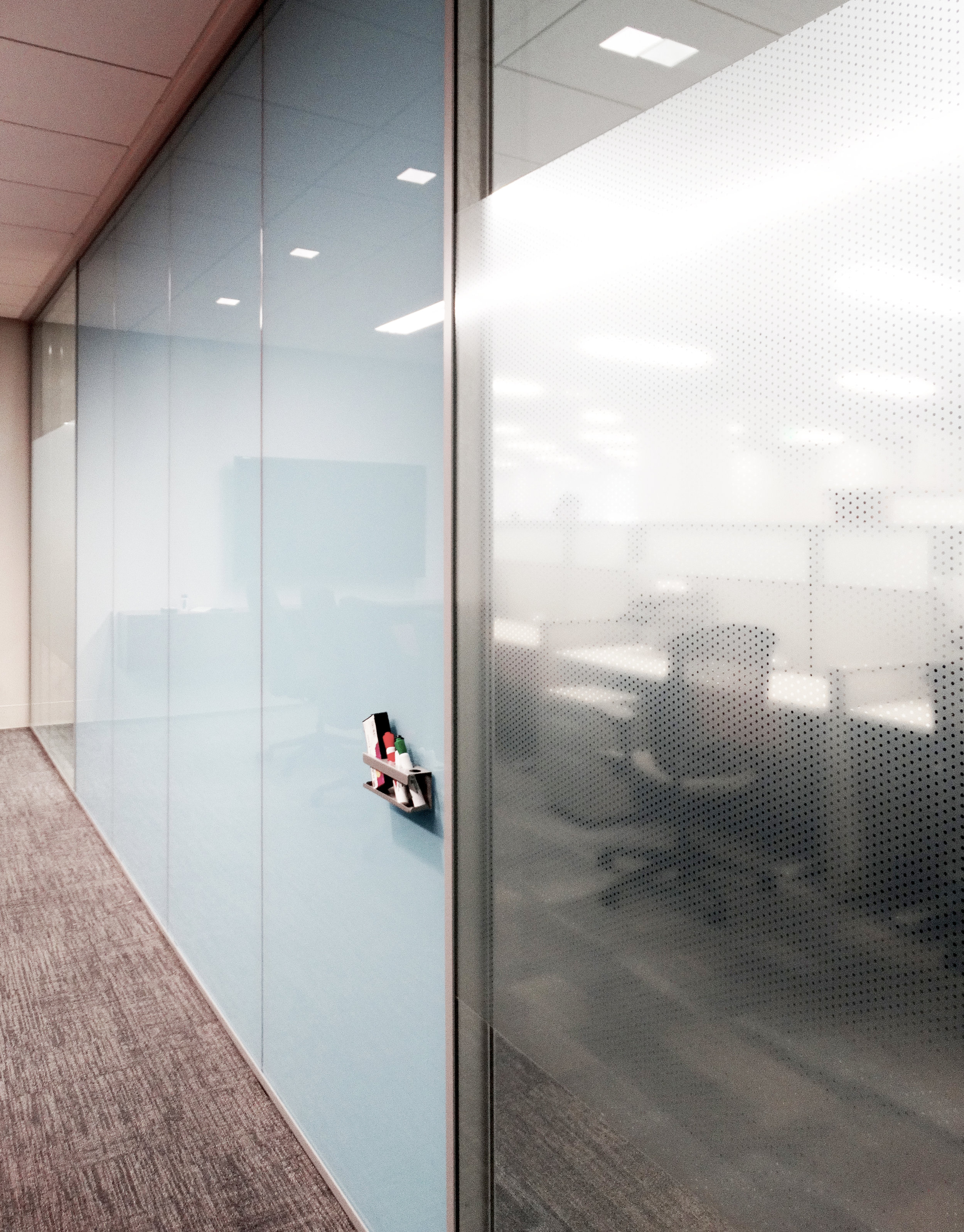 Dual Pane Specialty Glass Conference Room Wall - Spaceworks AI.jpg
