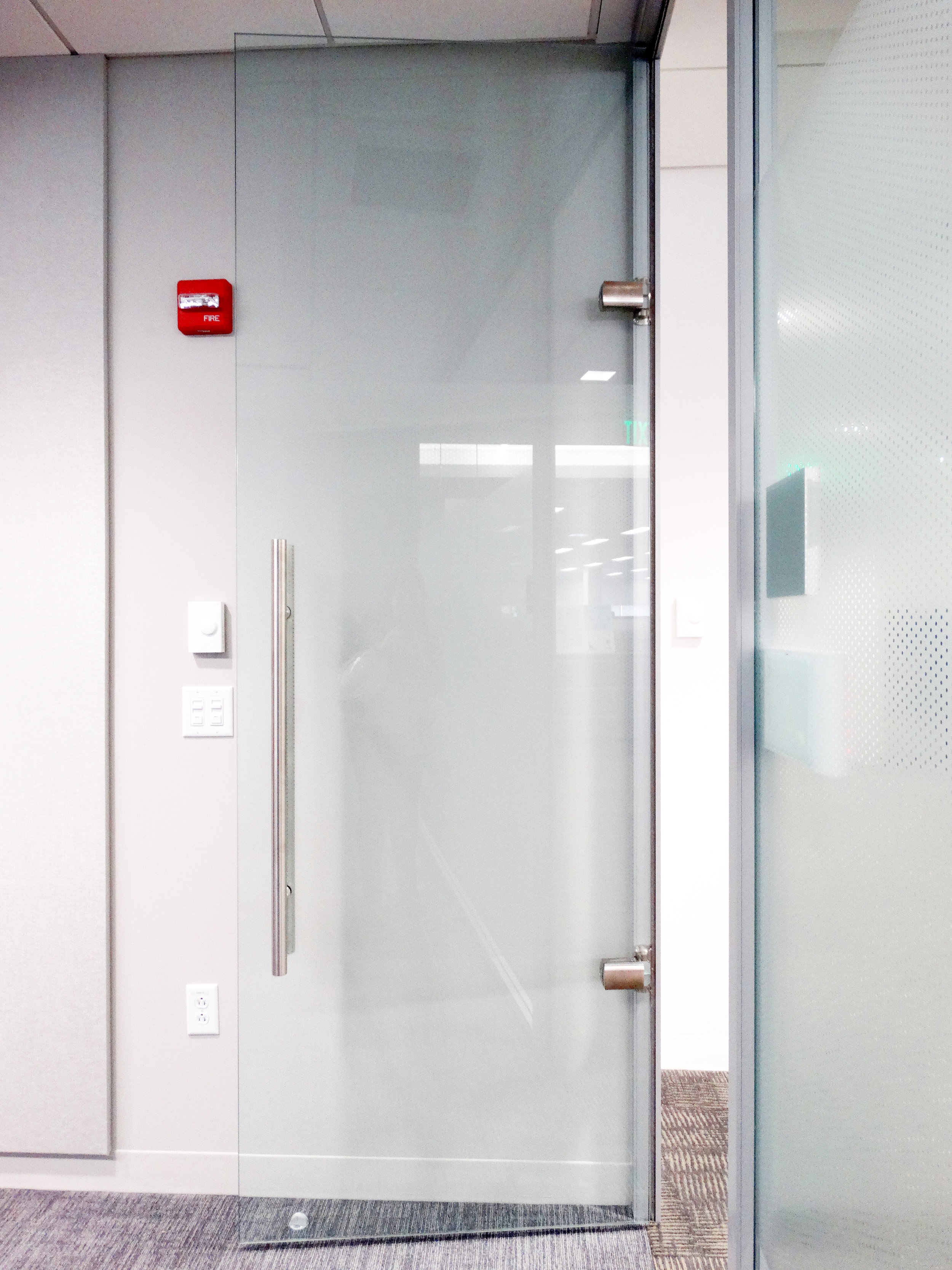 Litespace Frameless Glass Door Hydraulic Glass Hinges - Spaceworks AI.jpg