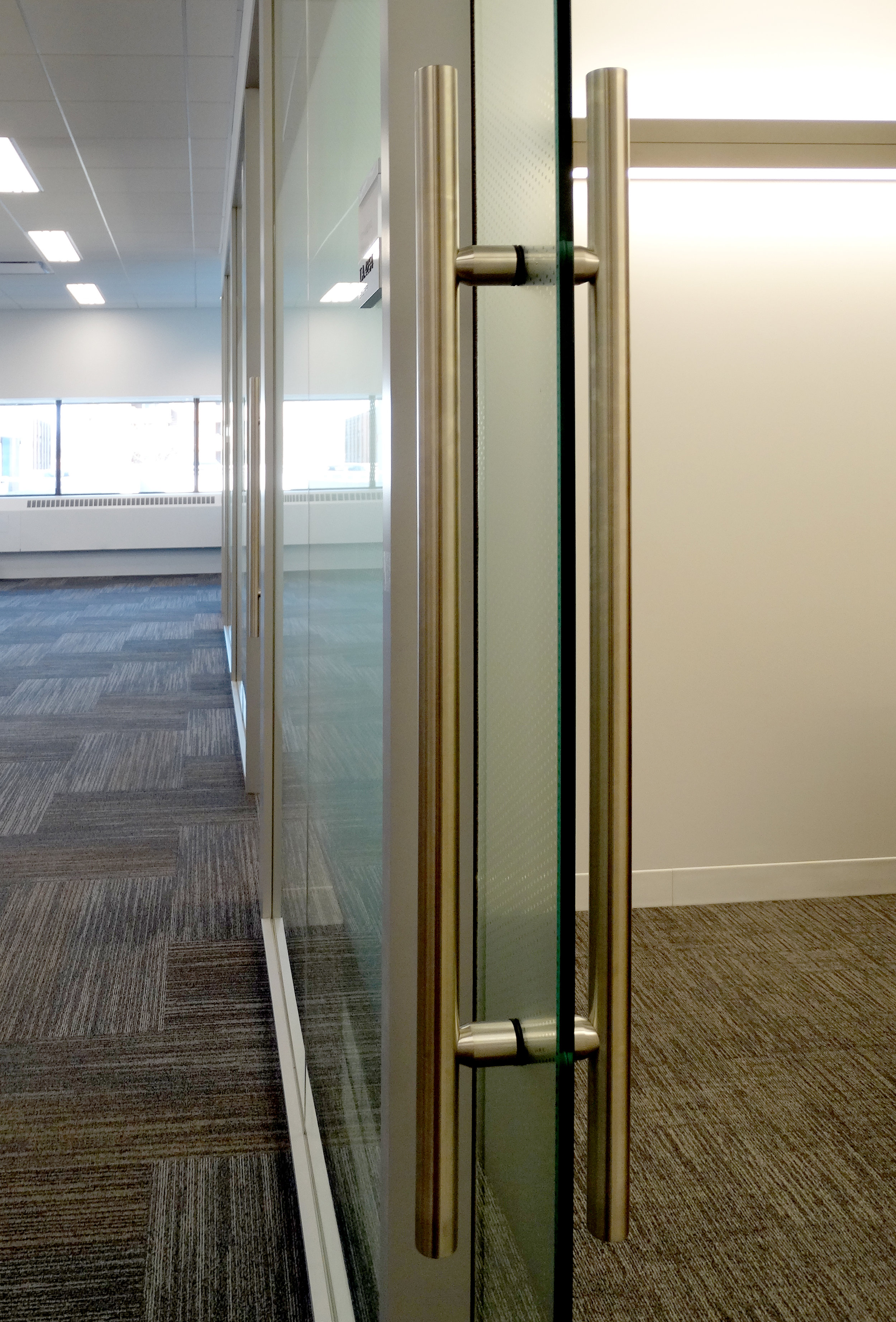Litespace Glass Sliding Door Ladder Pull - Spaceworks AI.jpg
