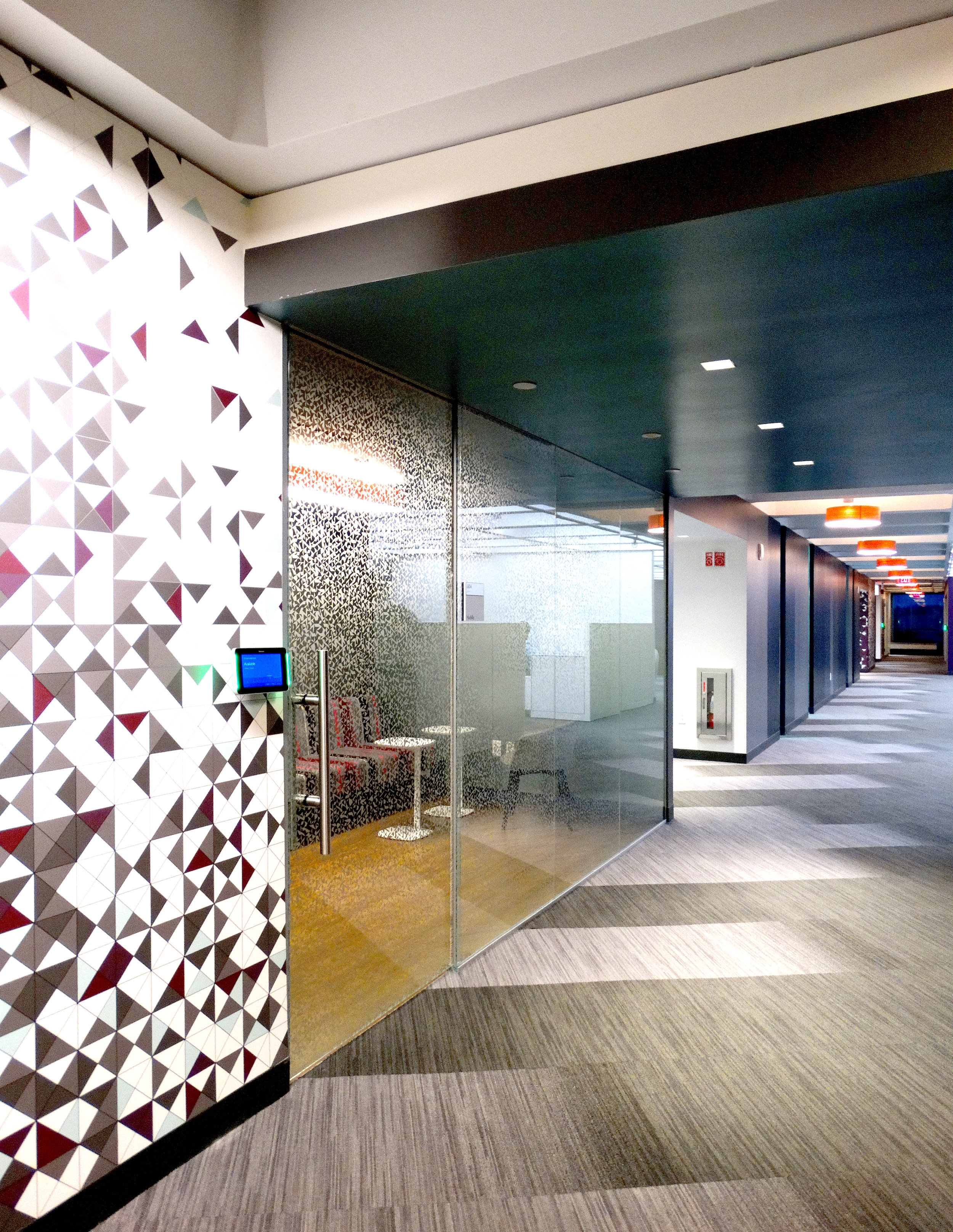 Illume Frameless Glass Wall System - Spaceworks AI.jpg