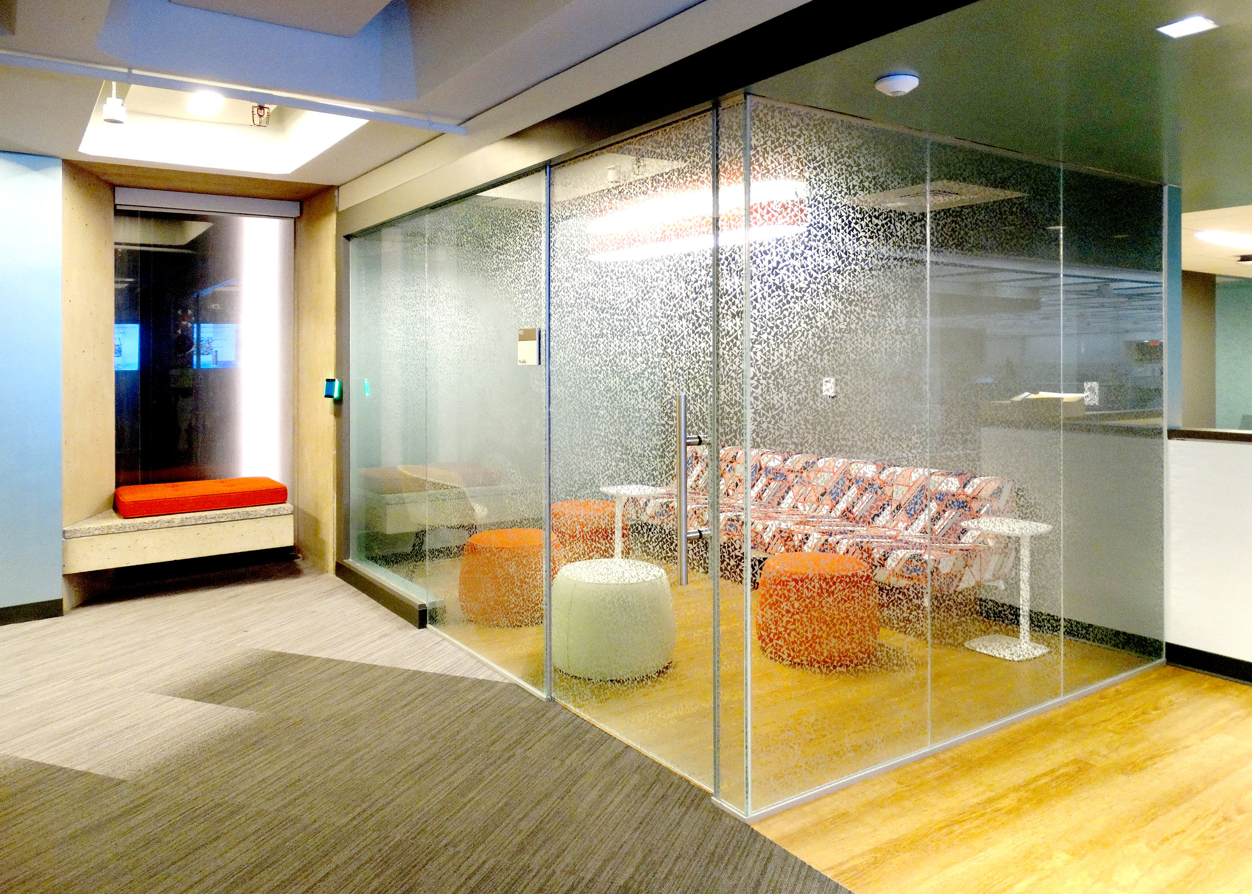 Illume Frameless Specialty Glass Wall - Spaceworks AI.jpg