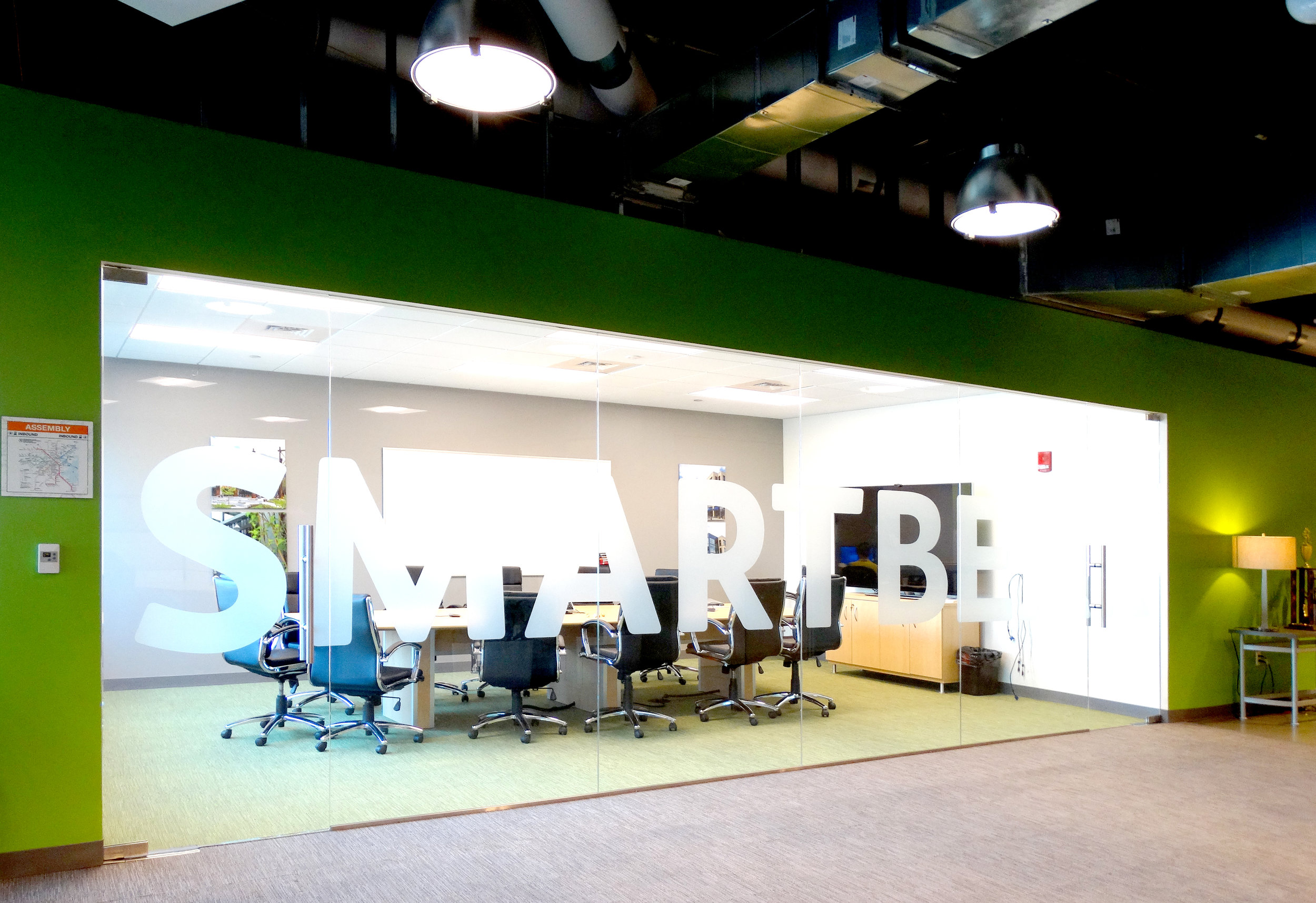Illume Frameless Glass Patch Fitting Conference Room - Spaceworks AI.jpg