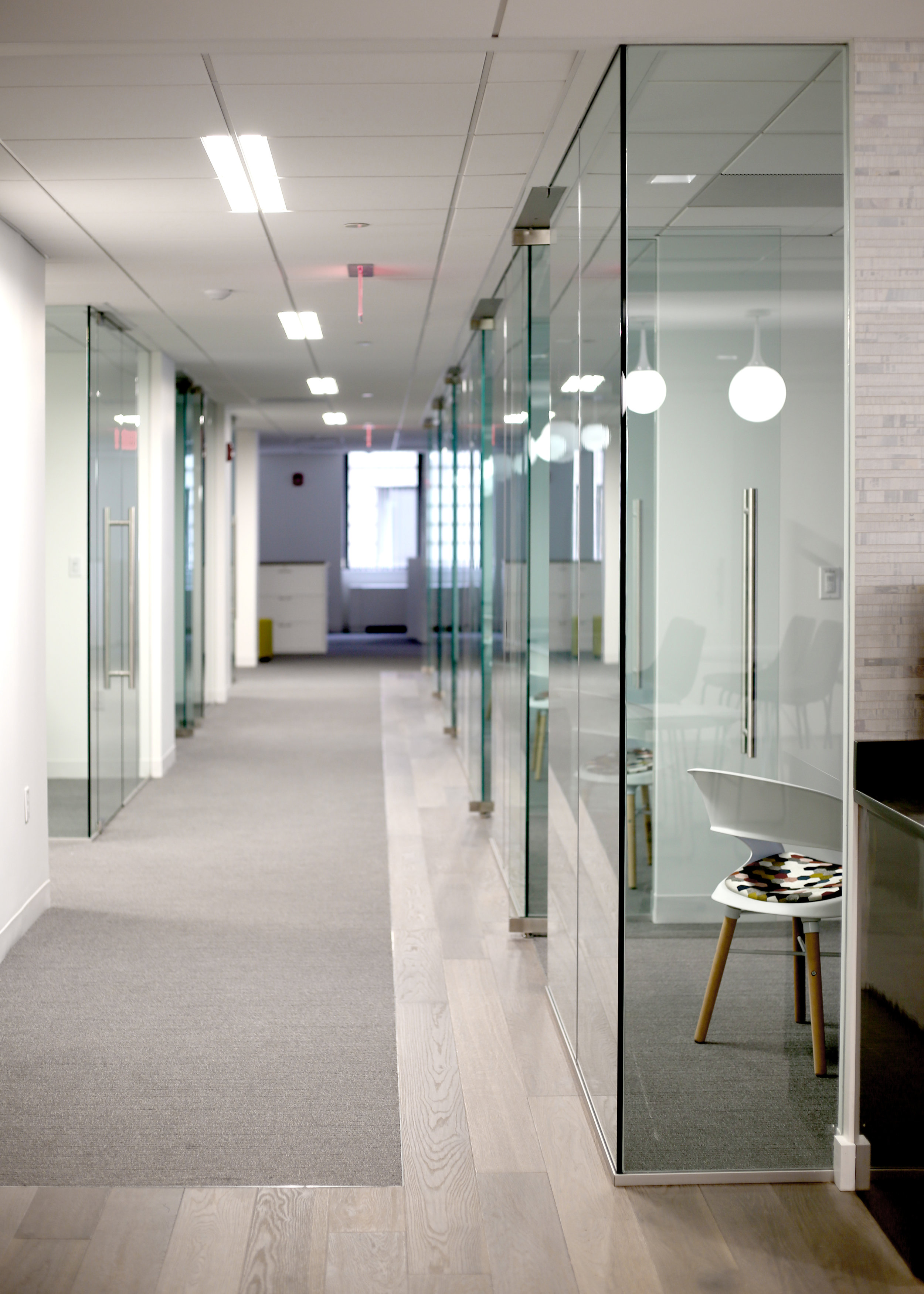 Illume Frameless Glass Corner Edge - Spaceworks AI.jpg