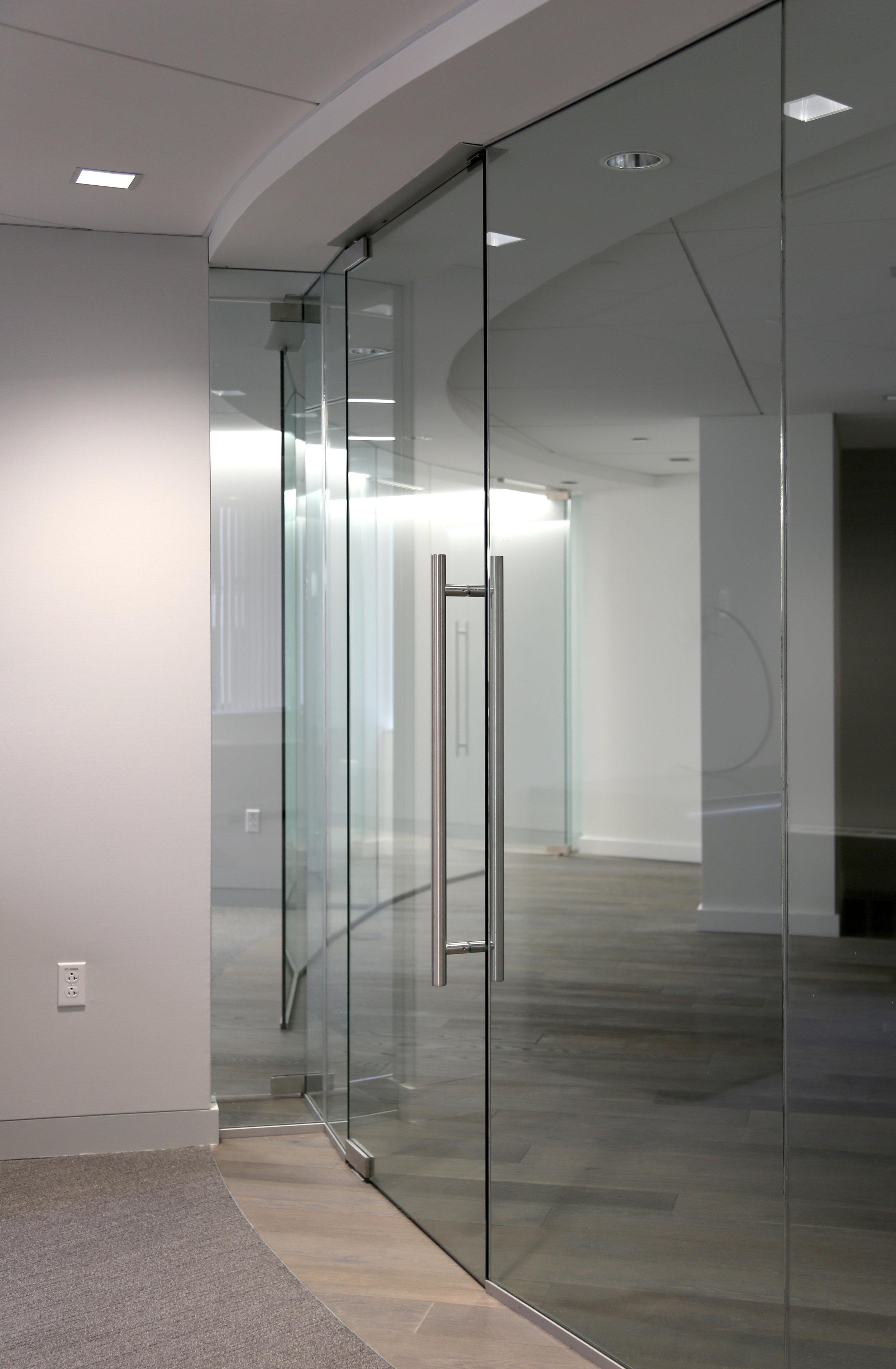 Illume Frameless Glass Curved Return - Spaceworks AI.jpg