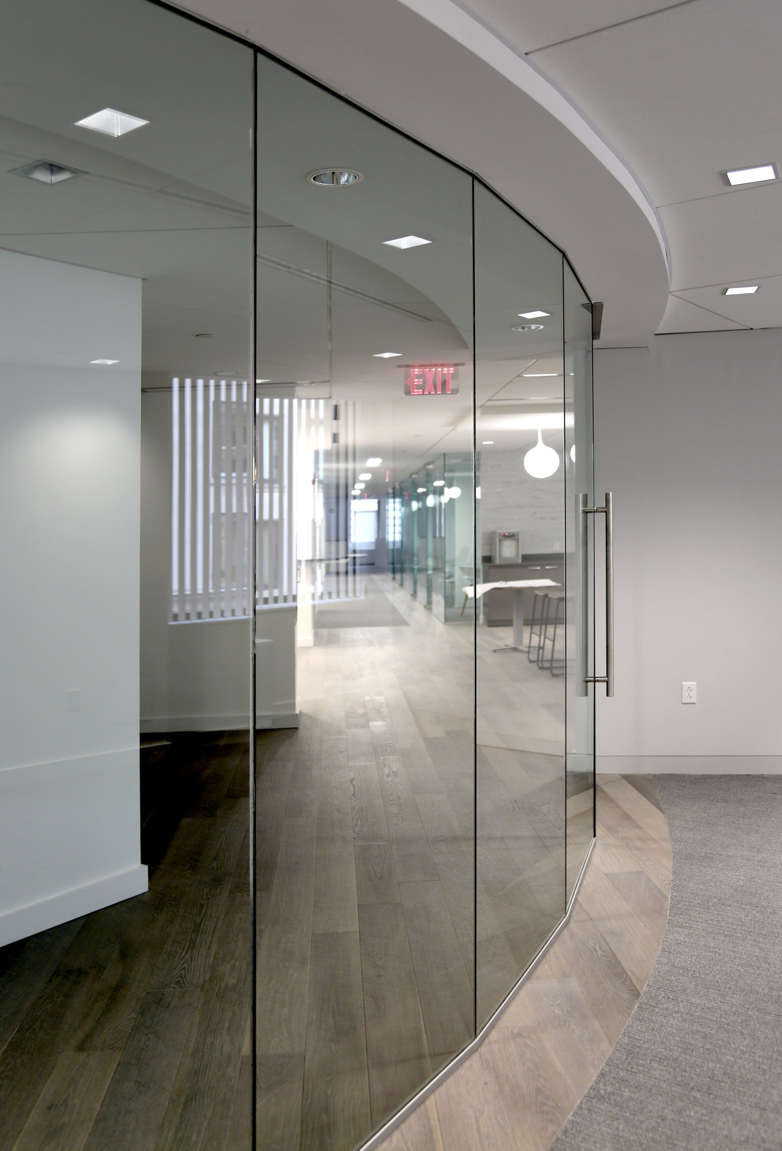 Illume Frameless Glass Recessed Head Track - Spaceworks AI.jpg