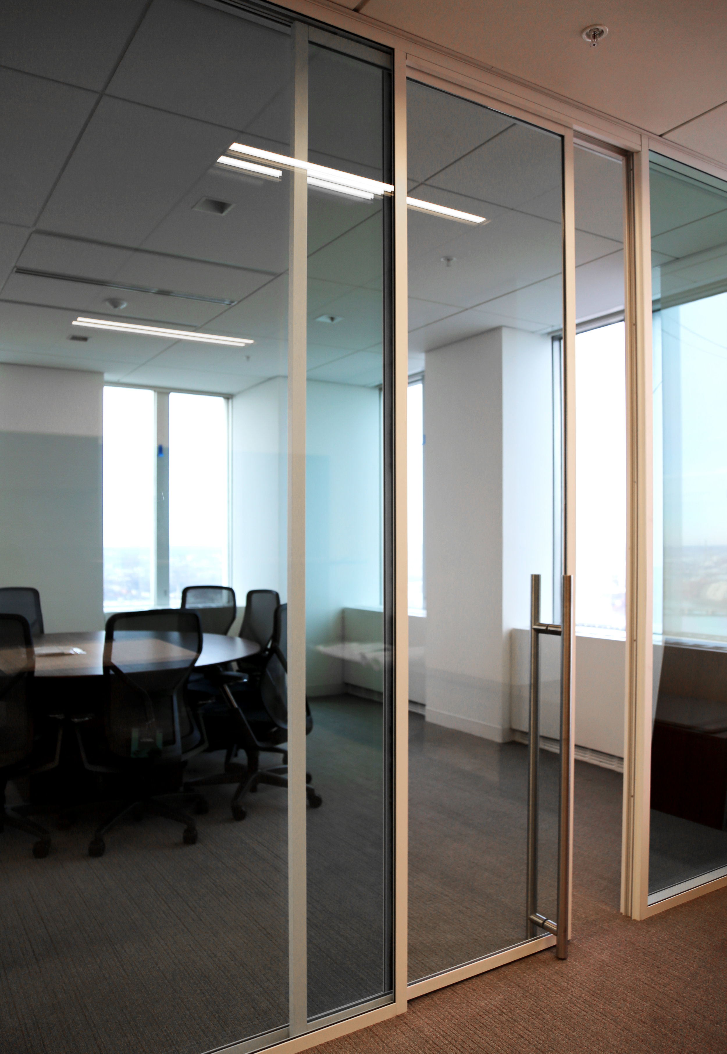 Modernus White Aluminum Framed Wall System - Spaceworks AI.jpg