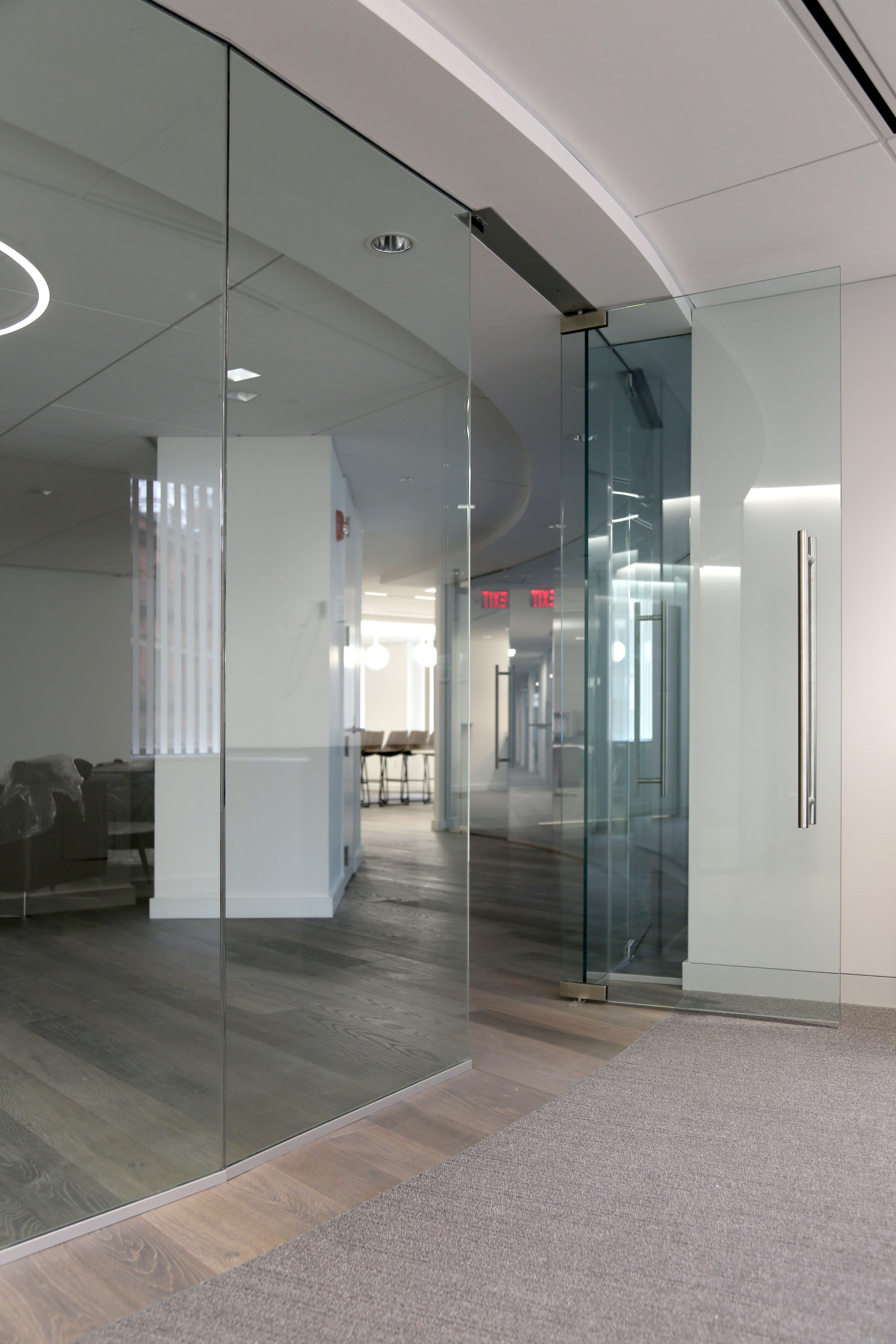 Illume Frameless Glass Faceted Conference - Spaceworks AI.jpg
