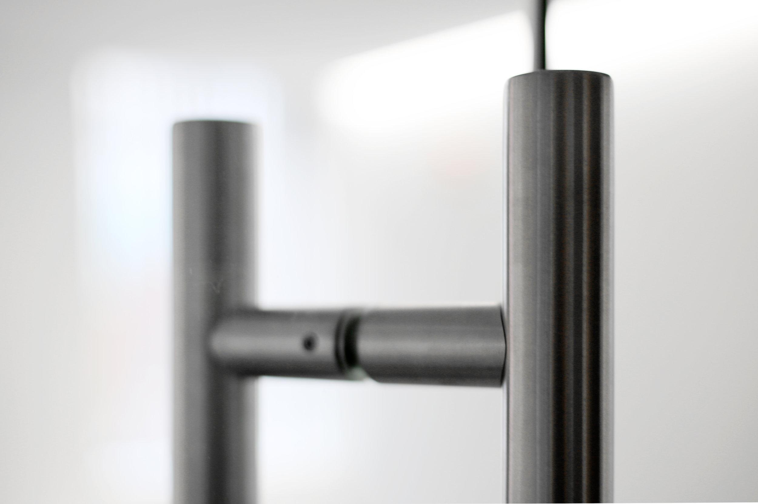 Illume Frameless Glass Ladder Pull - Spaceworks AI.jpg
