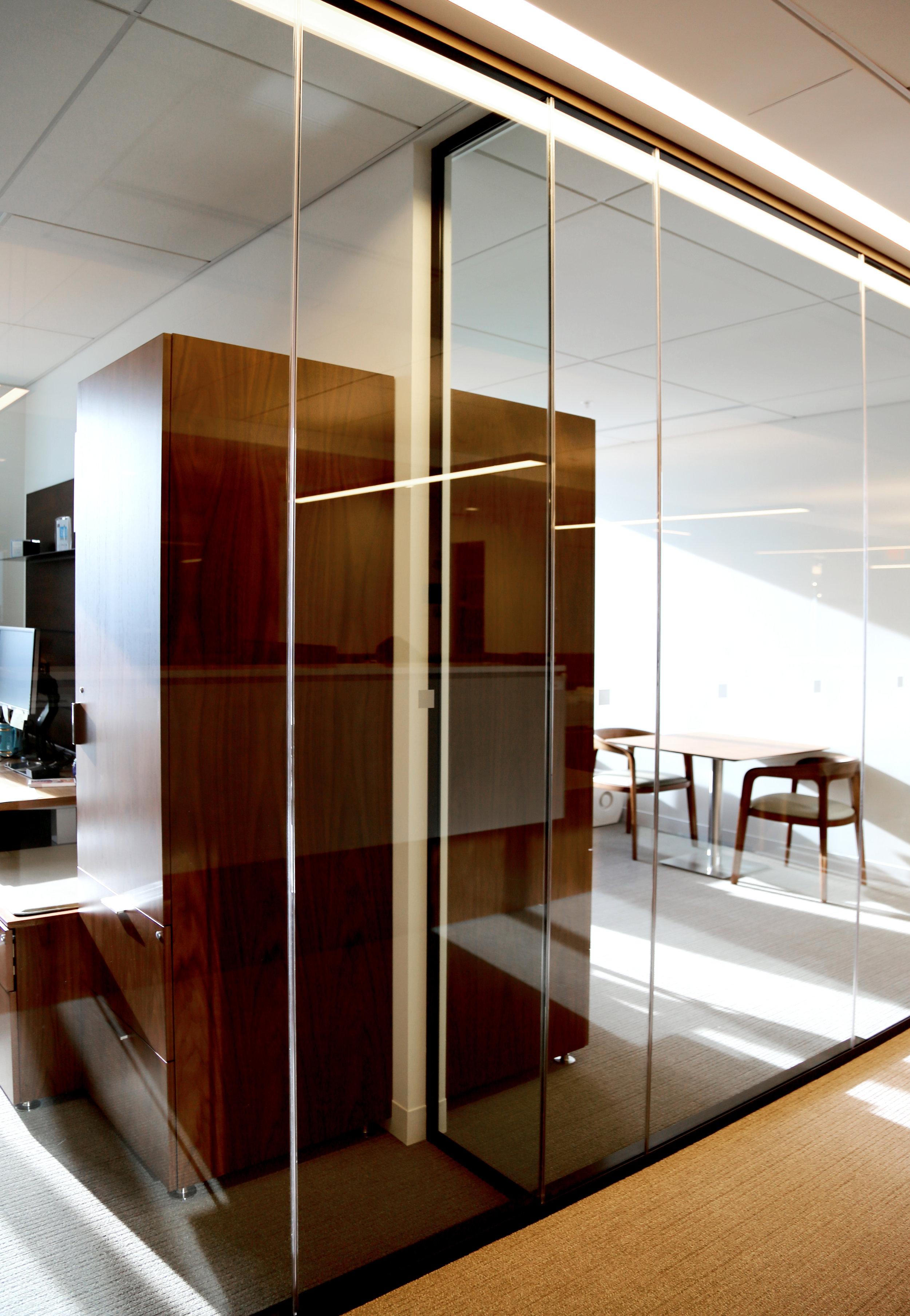 Modernus Glass Sidelites Glass Return Butt Glazed - Spaceworks AI.jpg