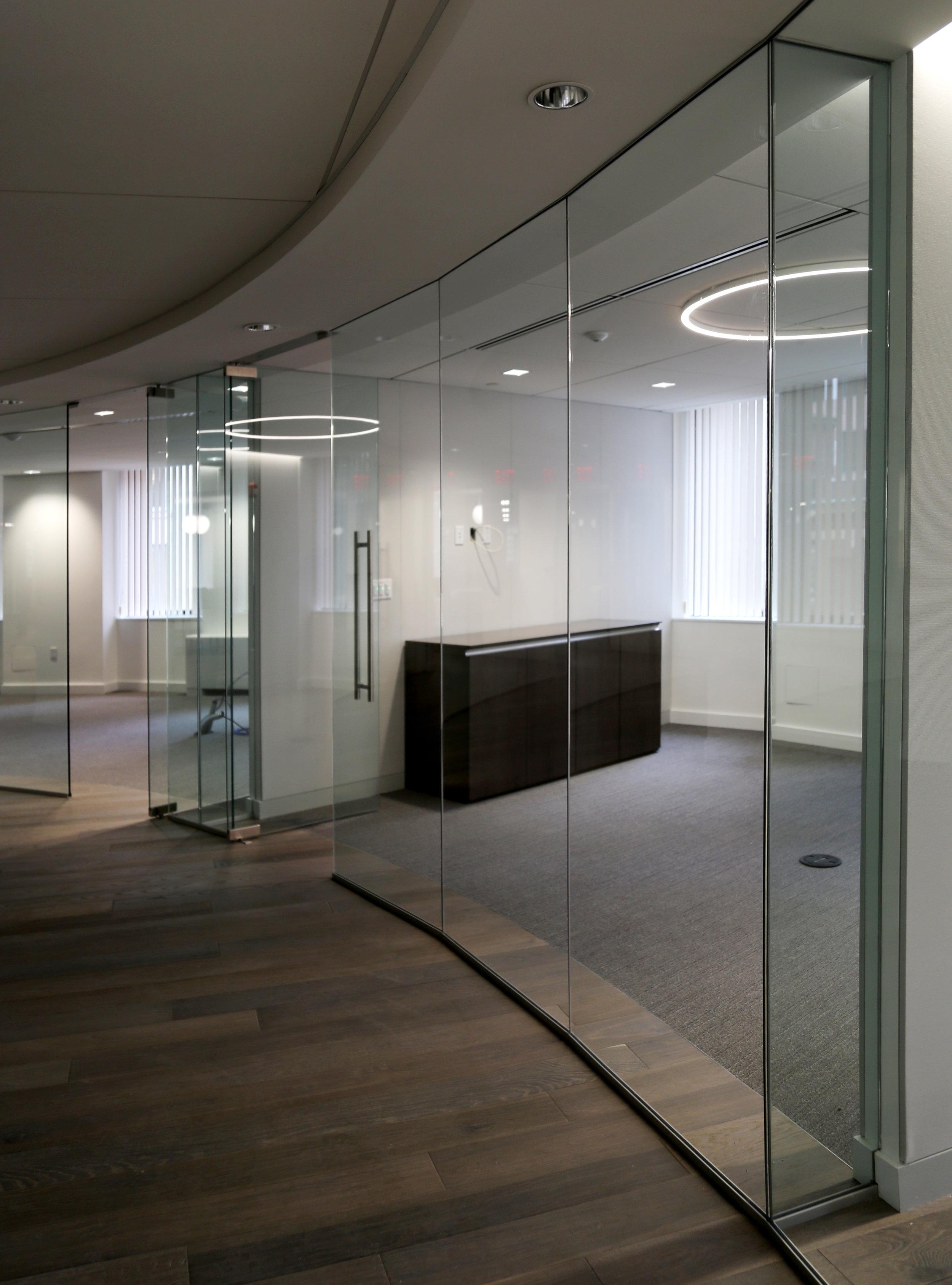 Illume Frameless Glass Conference Room - Spaceworks AI.jpg