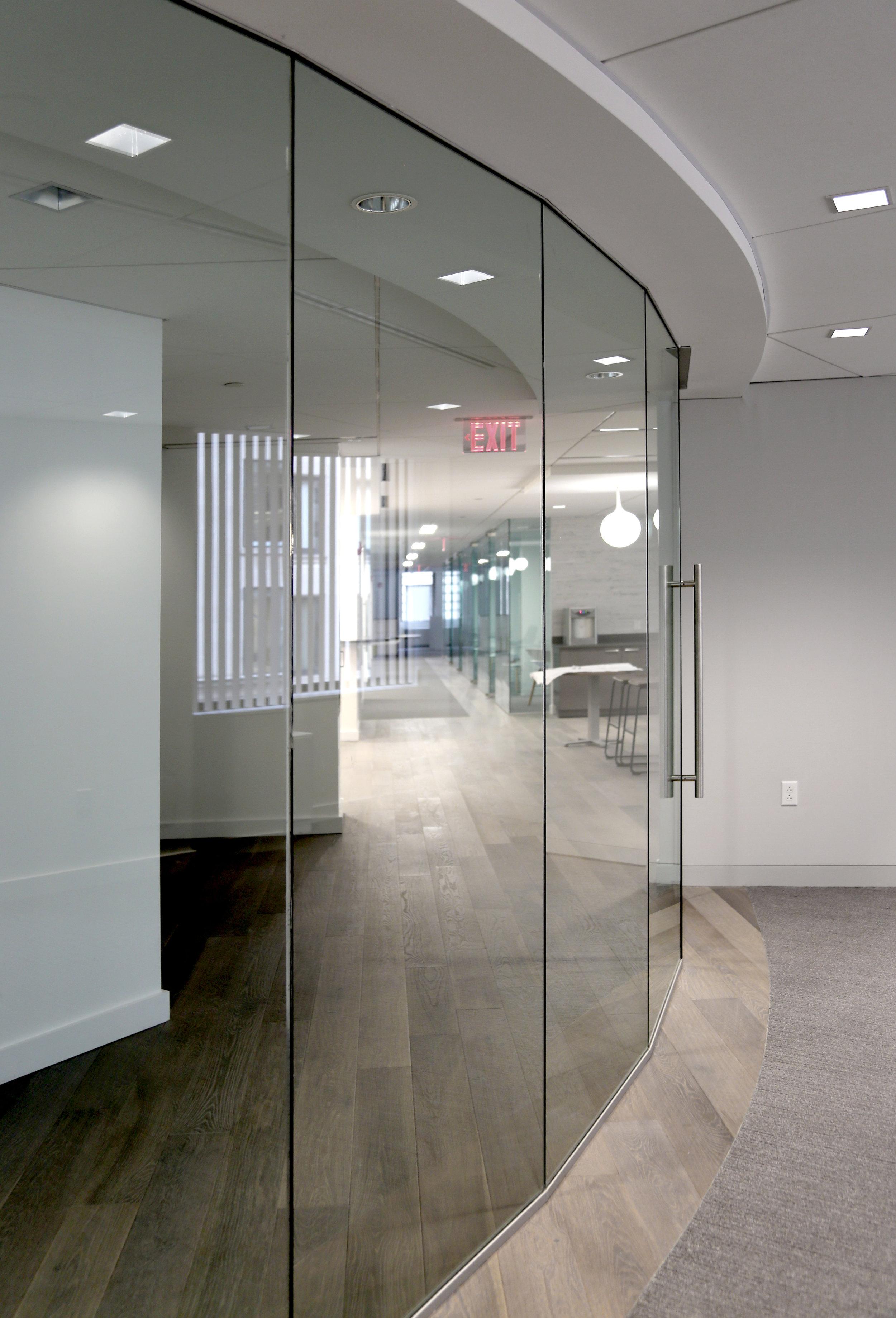 Illume Frameless Glass Recessed Head Track - Spaceworks AI.jpg
