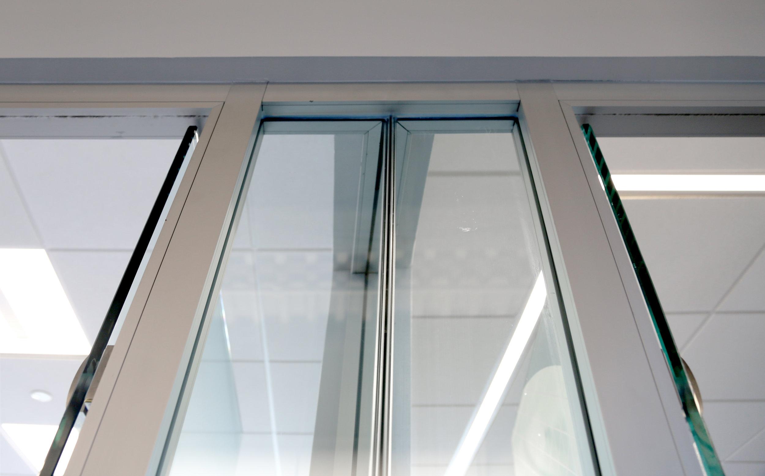 Litespace Glass Return Detail - Spaceworks AI.jpg