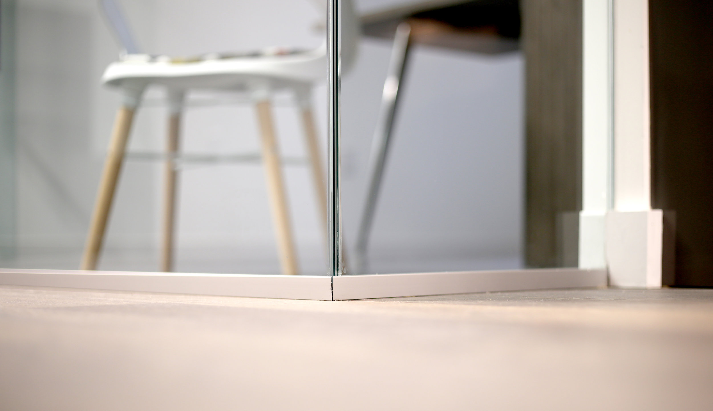 Illume Frameless Glass Corner - Spaceworks AI.jpg