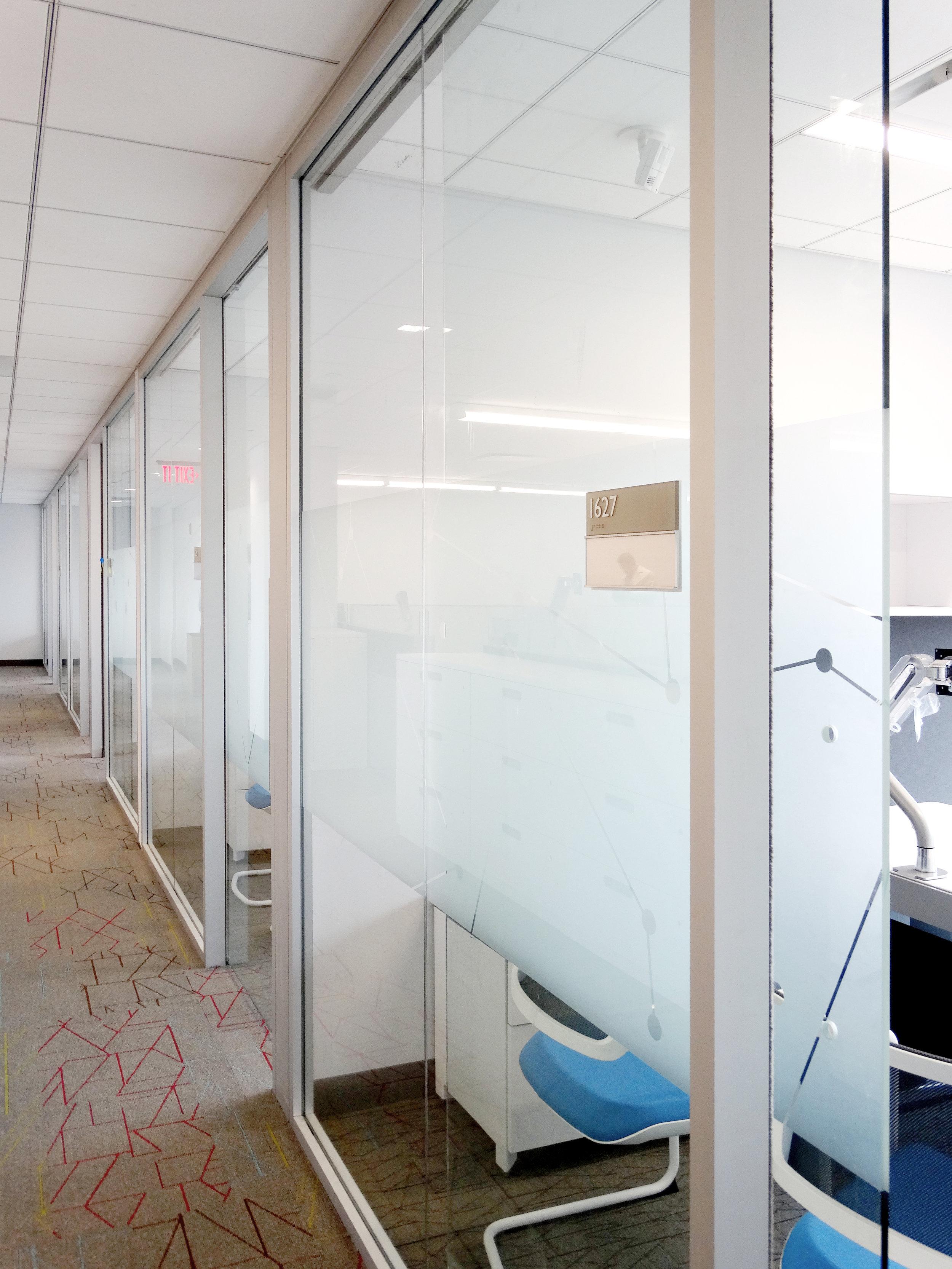 Litespace Aluminum Drywall Post Demountable System - Spaceworks AI.jpg