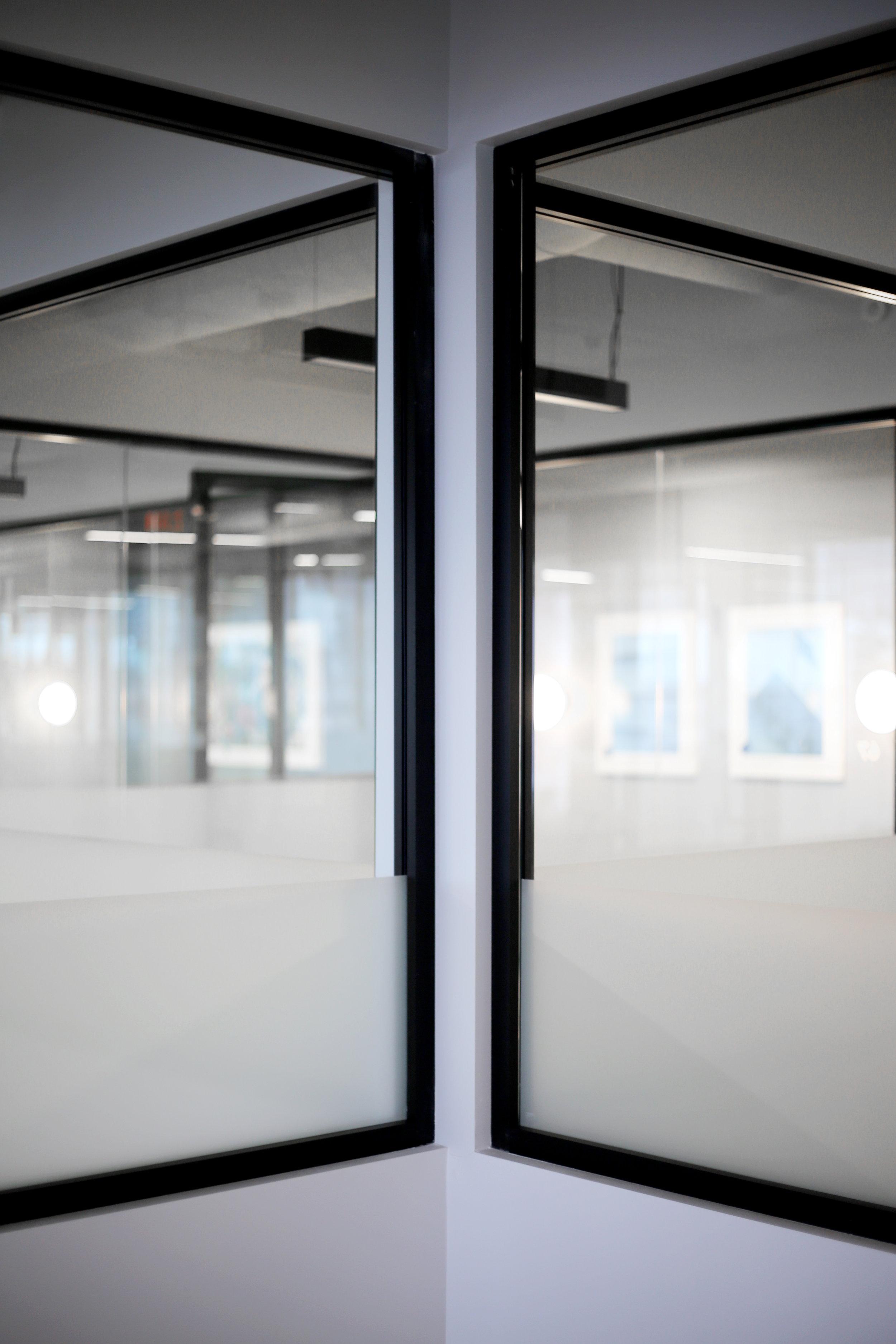 Litespace Black Aluminum Corner Joint - Spaceworks AI.jpg