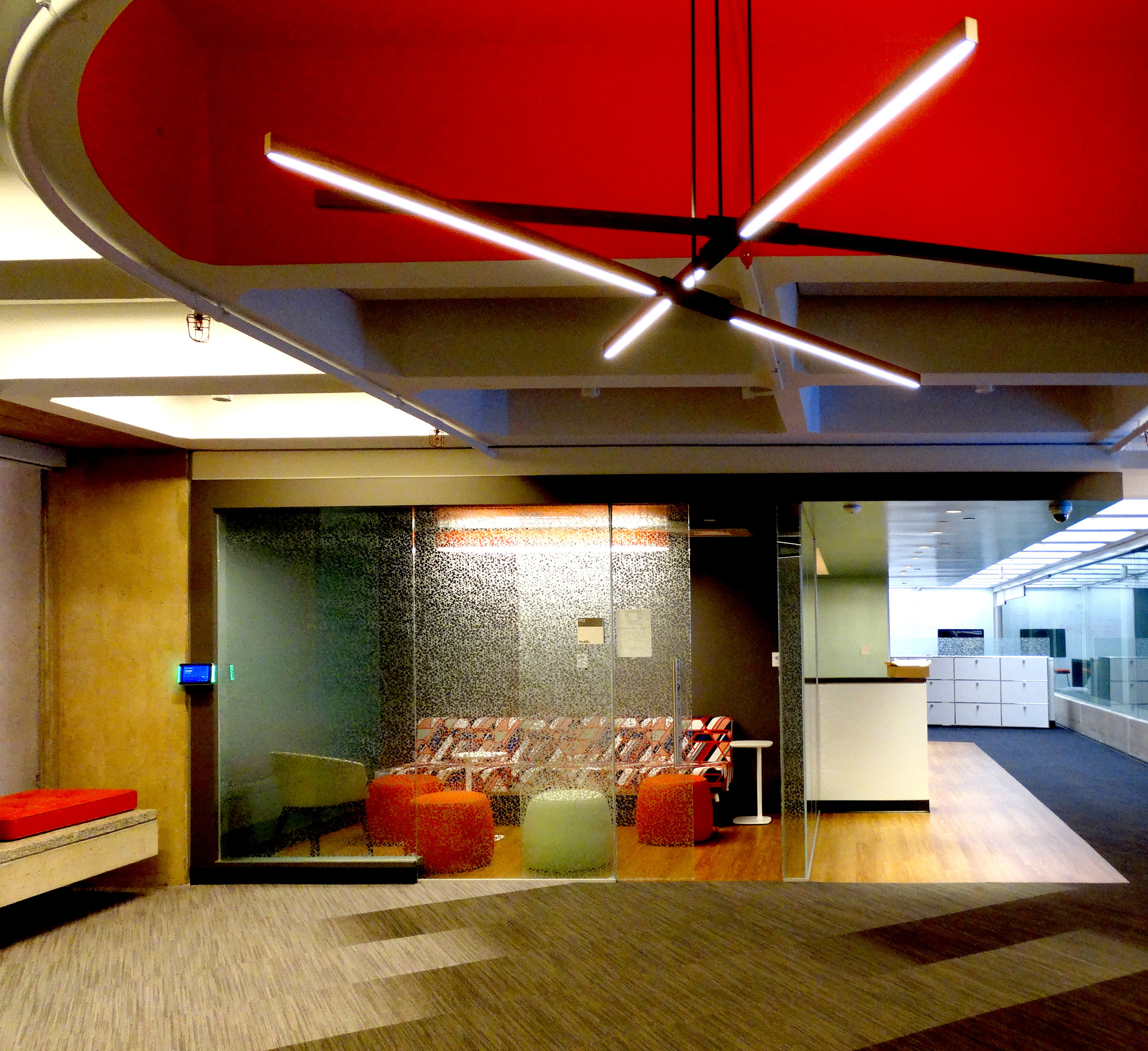 Illume Specialty Glass Huddle Room Area - Spaceworks AI.jpg