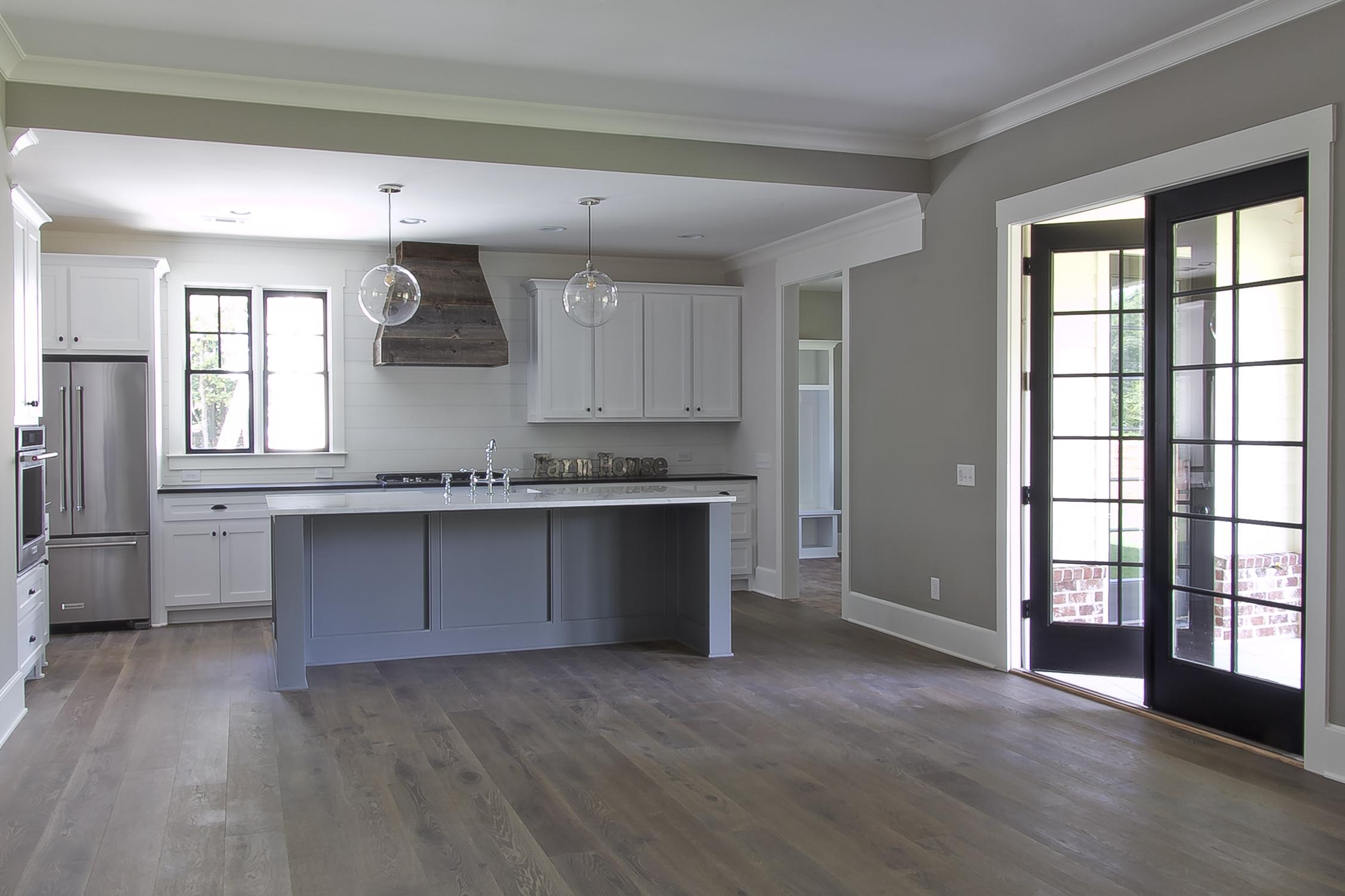 longstreet kitchen full.jpg