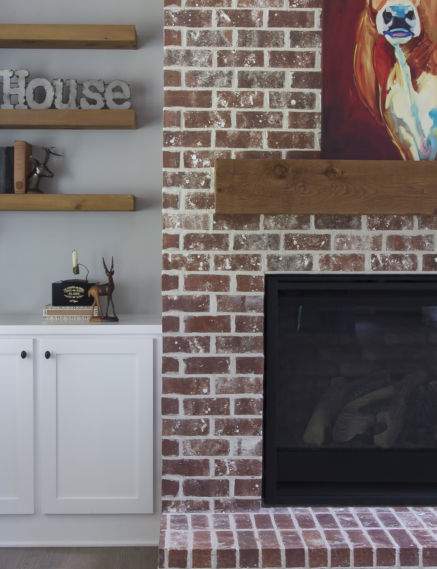 longstreet living room detail.jpg