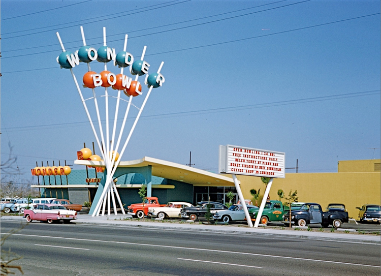 WONDERBOWL in ANAHEIM CA in 1958 - Photo courtesy of Charles Phoenix