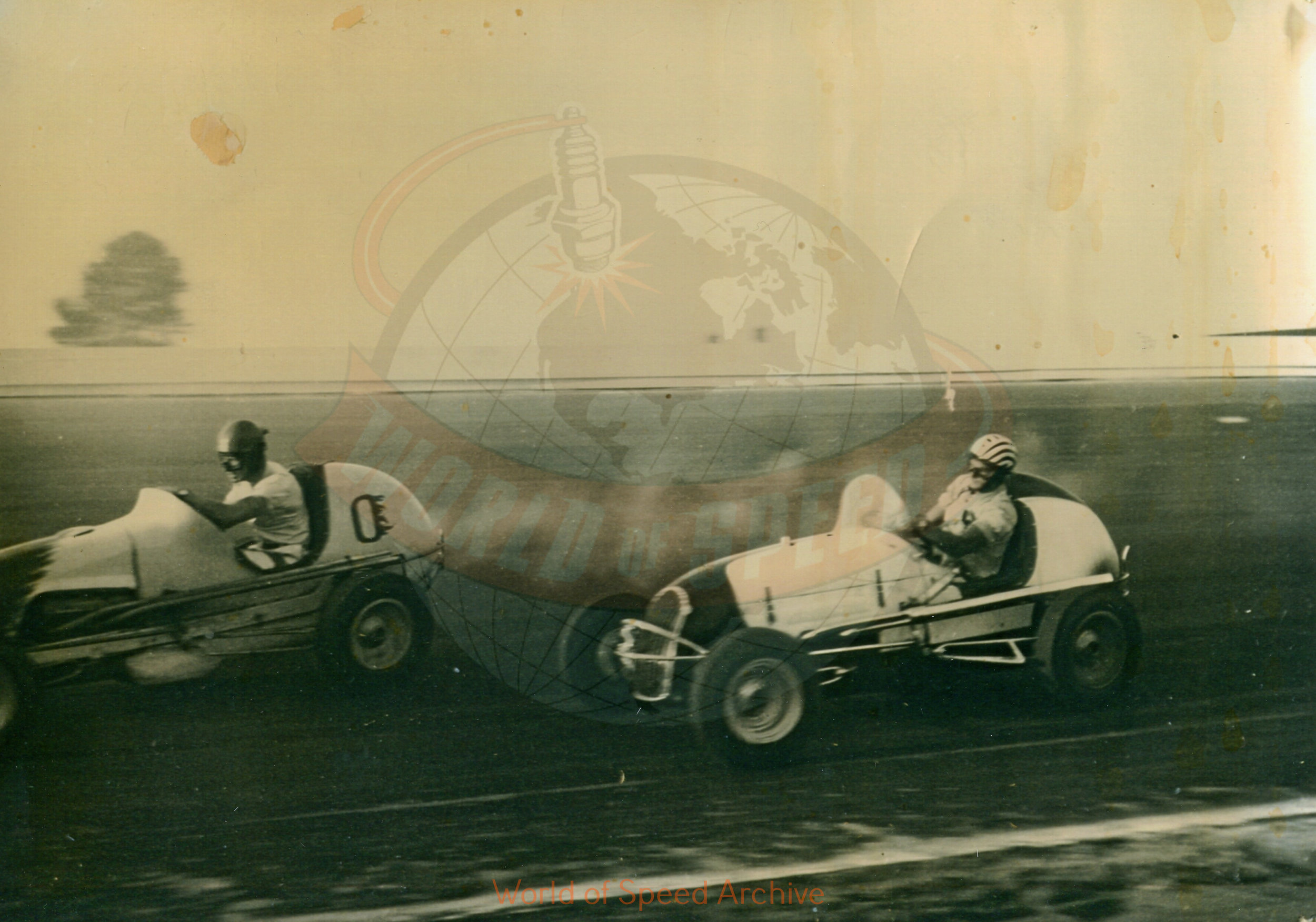 Hildick Photo Collection WOS#5072, BH009  Received submission:  #0 Stocky Stockwell; C33 Don Farmer (ID by drivers helmet)