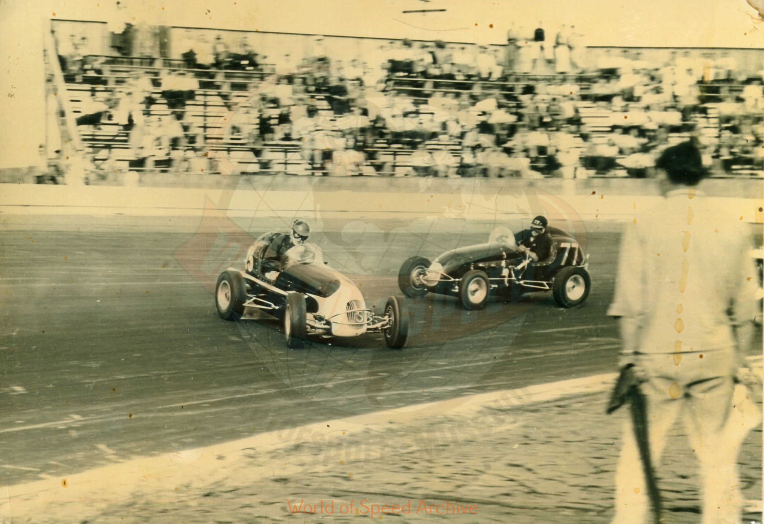 Hildick Photo Collection WOS#5072, BH017  Received submission:  #25 Bob Gregg (owner Clarence Smith); #77 Louie Sherman (owner John Snider); 1948