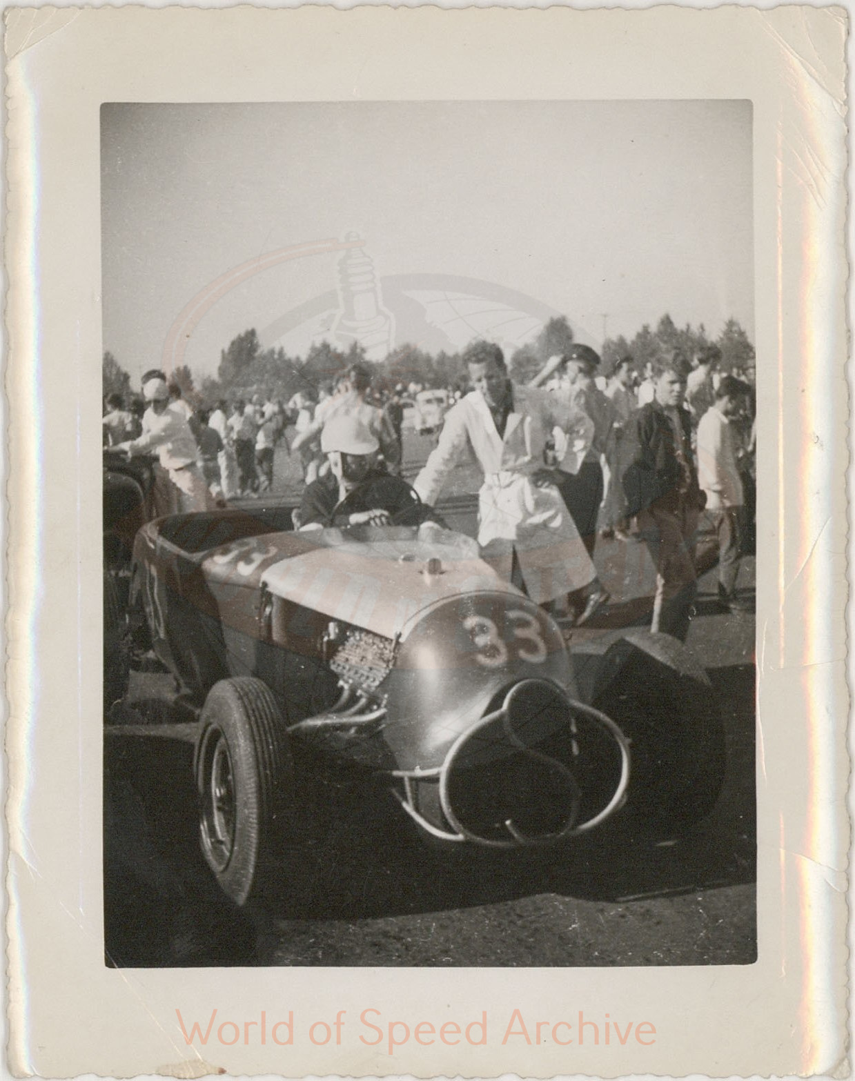 WOS#3786 - GM05 p087: Jimmy Martin in a # 33 Model A Roadster