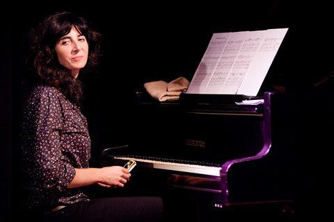 EN live in Belgium with Sara Serpa.jpg