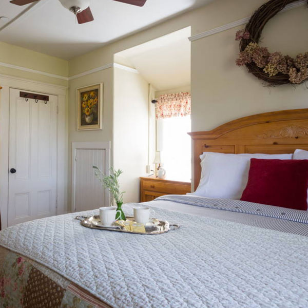 Main Street Farmhouse Napa Airbnb