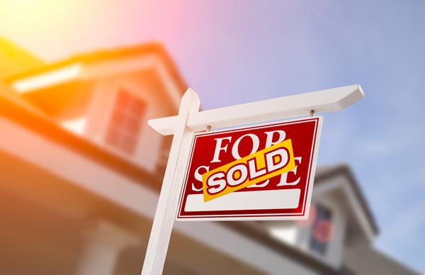 bigstock-Sold-Home-For-Sale-Real-Estate-108735764web.jpg