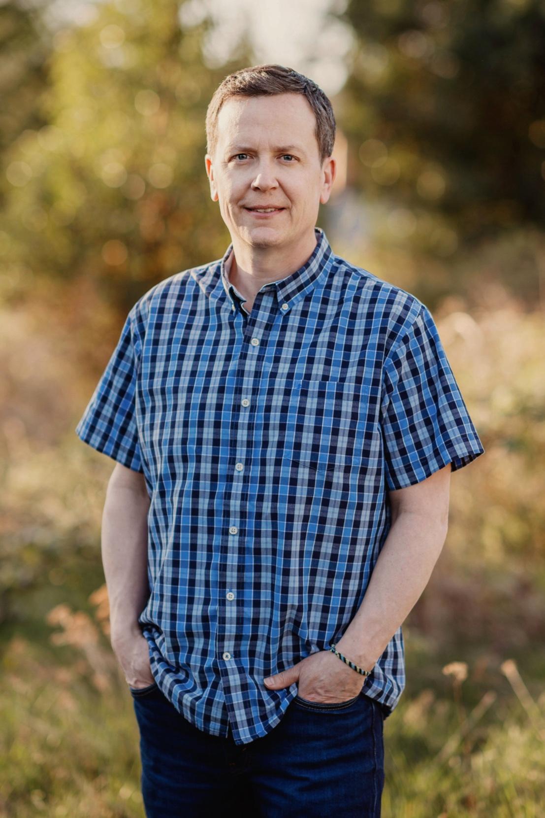 Tyler-Nouwens-family-0043-med.jpg
