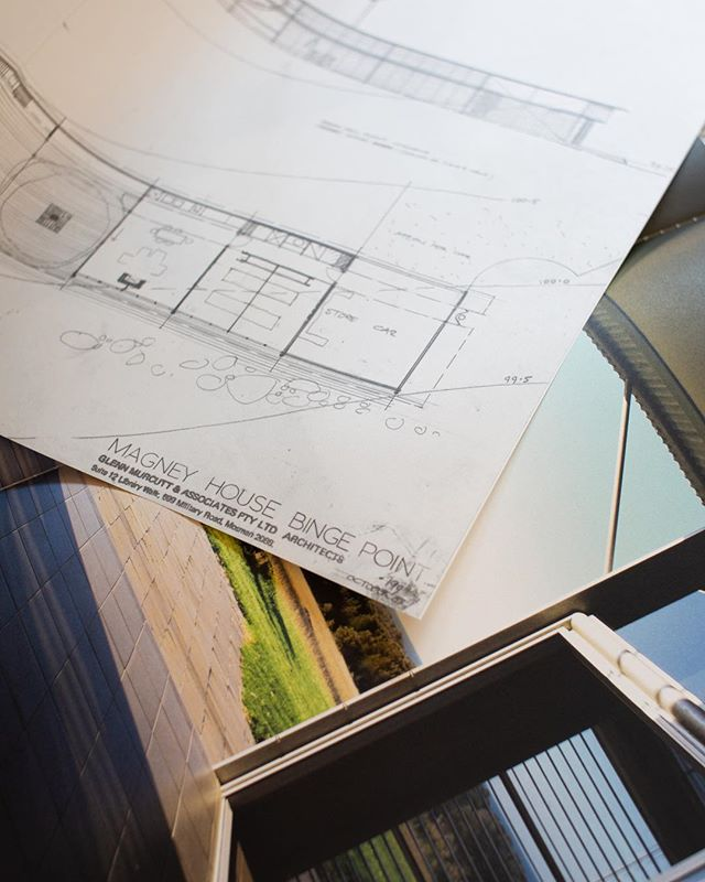 Folder 3: Magney House, Bingie Point, NSW 1982-84/1999. Drawing detail. . . . . . . . #glennmurcutt #glennmurcuttmasterclass #architecture #architecturelovers #australianarchitecture #archidaily #design #designinspiration #book #glennmurcuttfolio #touchtheearthlightly #architect #architecturaldrawing #handdrawn #sydneylocal #architecturebooks #australiandesign #design #designprocess #creativeprocess #murcutt #bingiepoint #magneyhouse #newsouthwales #australia