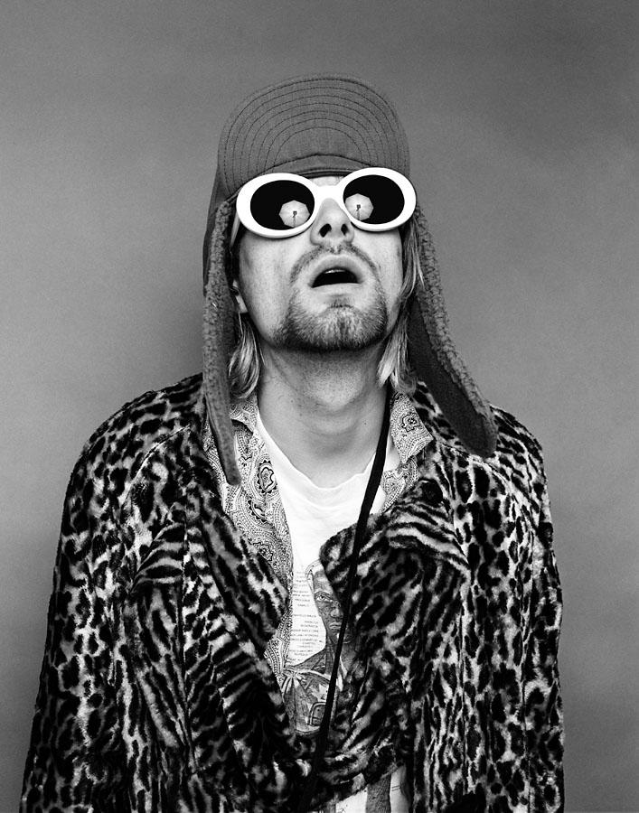 kurt_cobain_looking_up.jpg