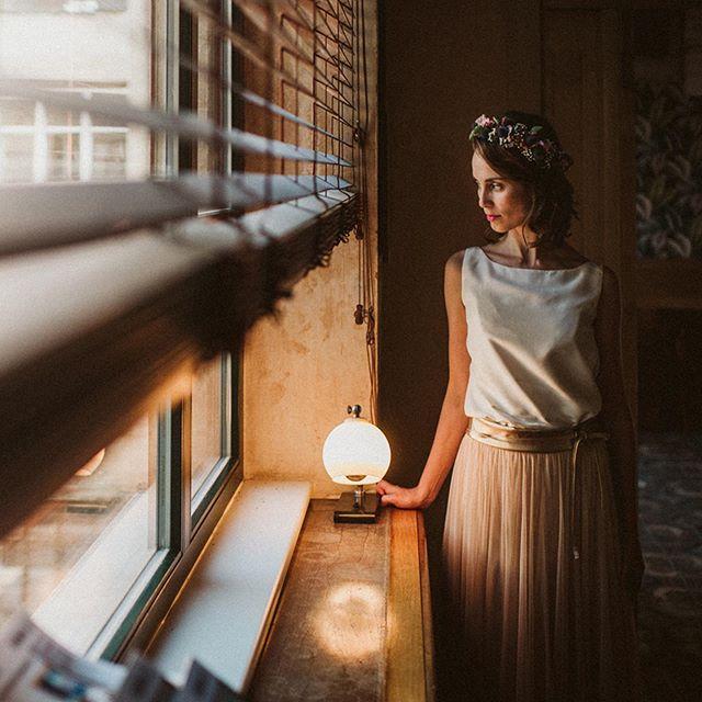 011 - Berlin  #hochzeitsfotograf #berlin #bride #portrait  #weddingday #fensterlicht