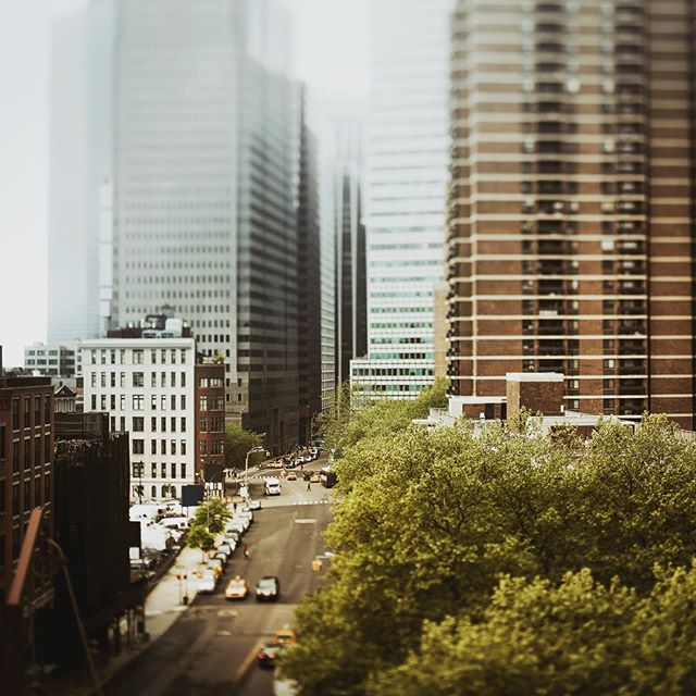 #nyc #manhattan #foggy #highway #skyscraper #citylife #tiltshift