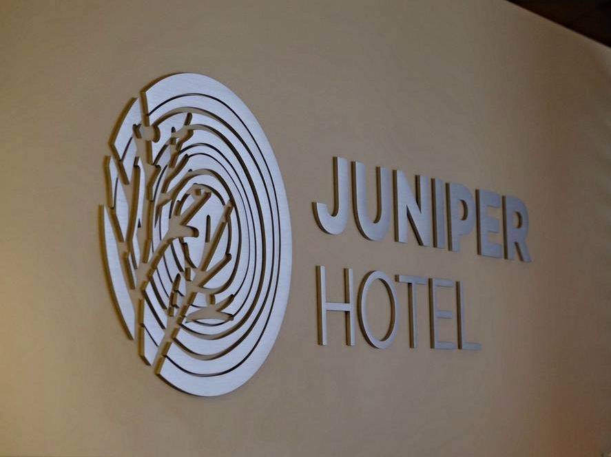 Juniper Hotel sign.jpg