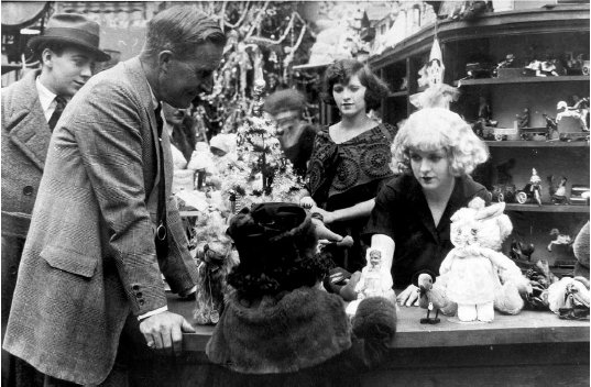 William Desmond Taylor directing May McAvoy in the silent film Top of New York (1921), several months before his death