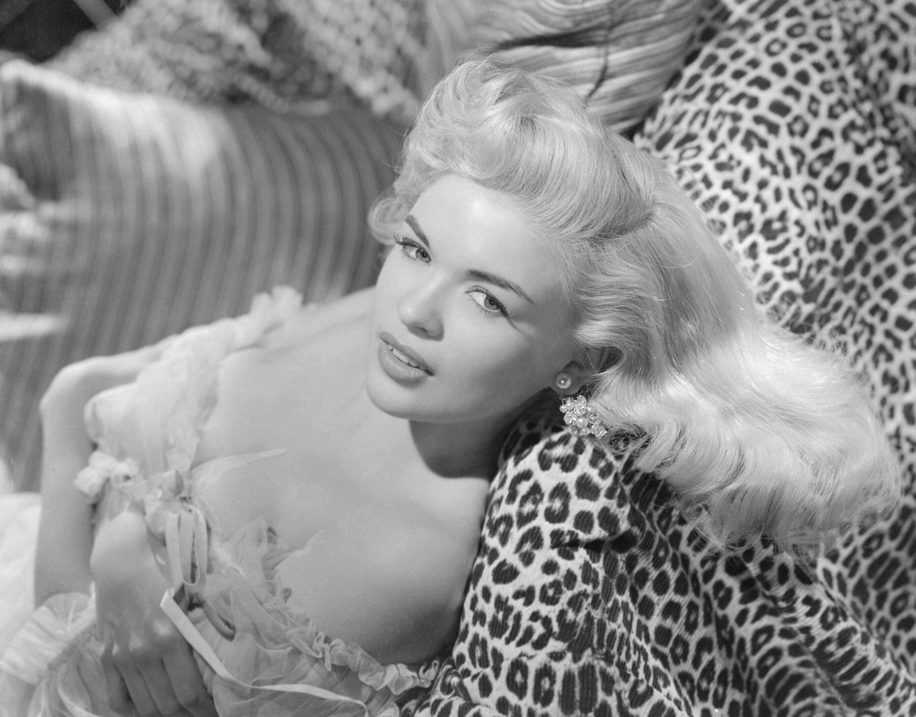 Busty Blonde Film