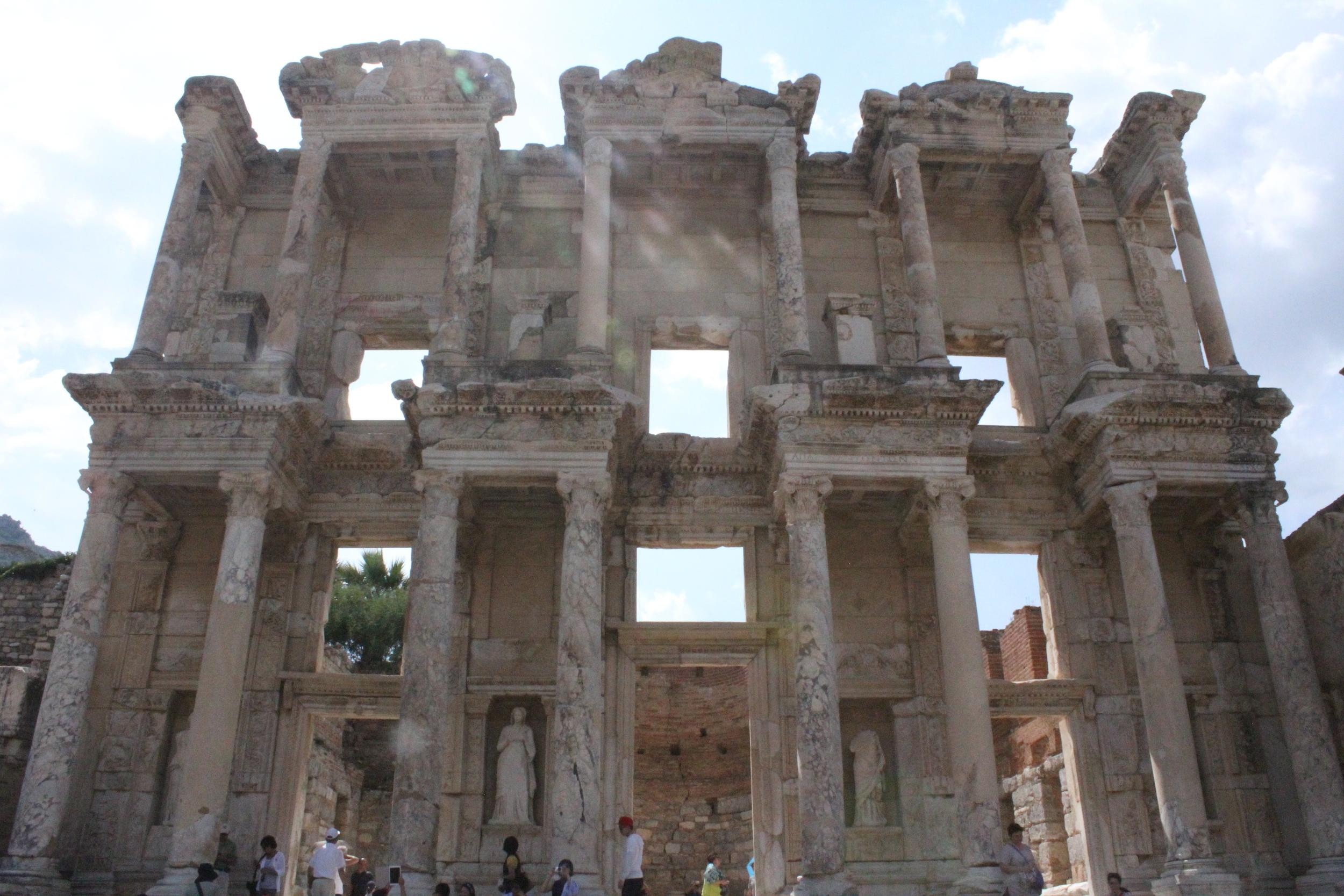 Celsus Library Ephesus.JPG