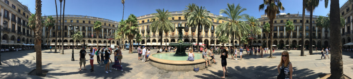 Plaça Reial. A welcome respite from the bustling La Rambla