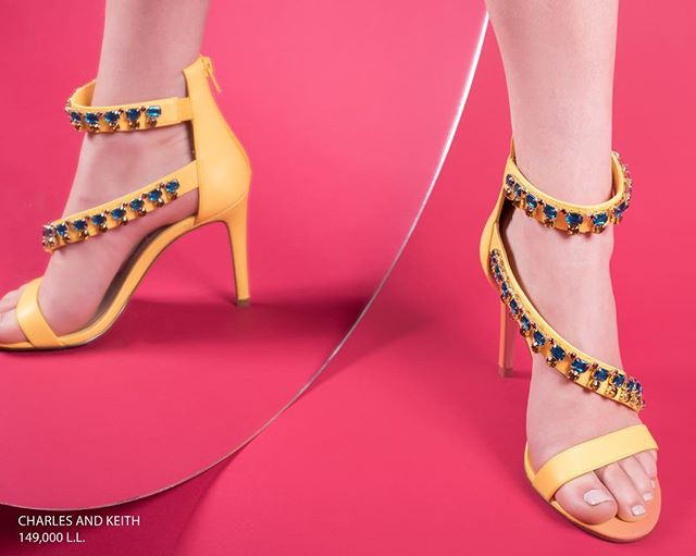 Flaunt these bejeweled yellow strap heels, perfect for weddings and big occasions or just a dinner date- head to Charles & Keith to get your own pair. (Store locator in bio)