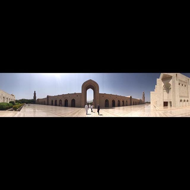Sultan Qaboos Grand Mosque 🕌 Muscat, Oman. Speechless! #oman #muscat #sultanqaboosgrandmosque
