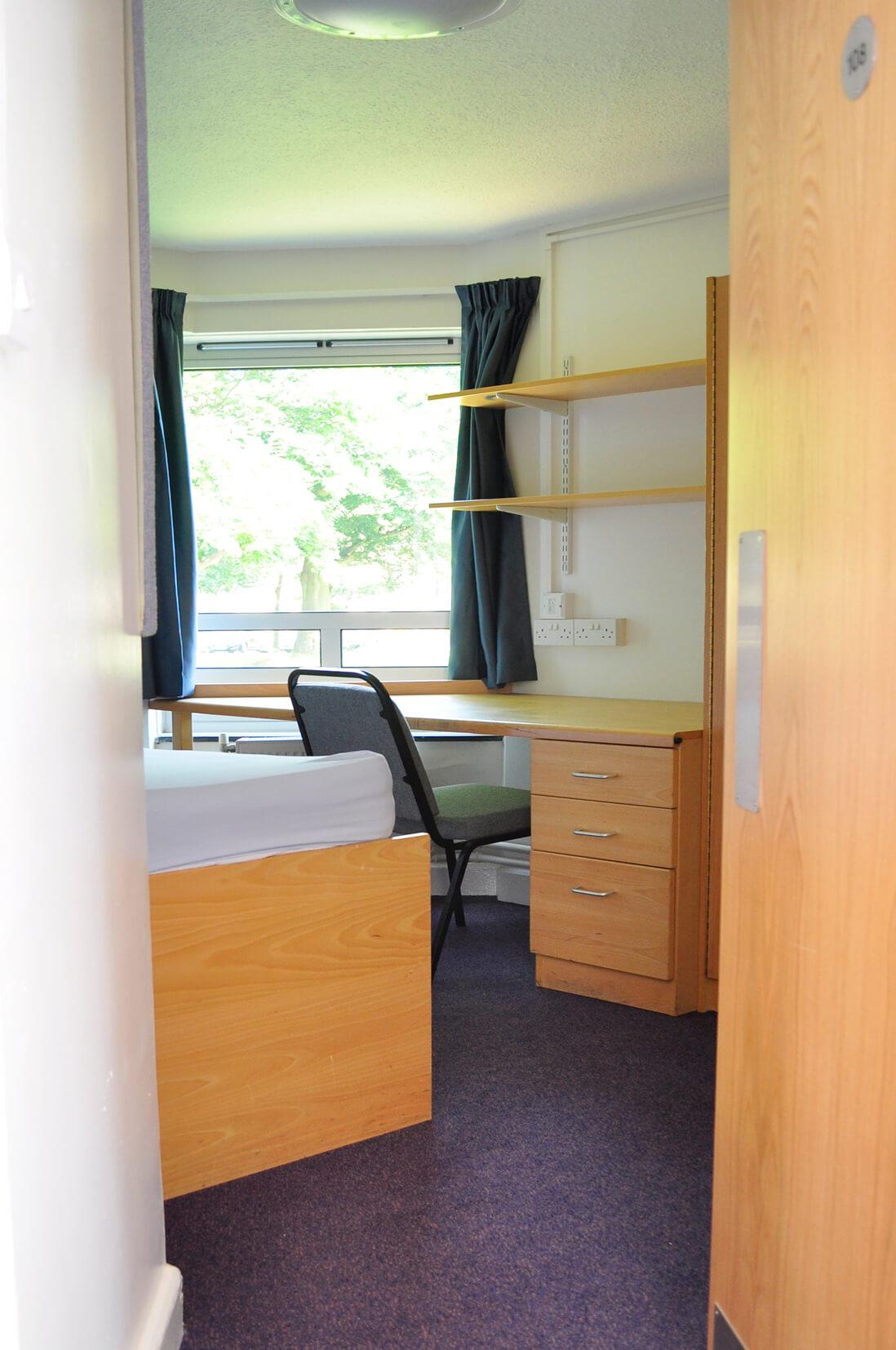 Pageites Bedroom 1.jpg