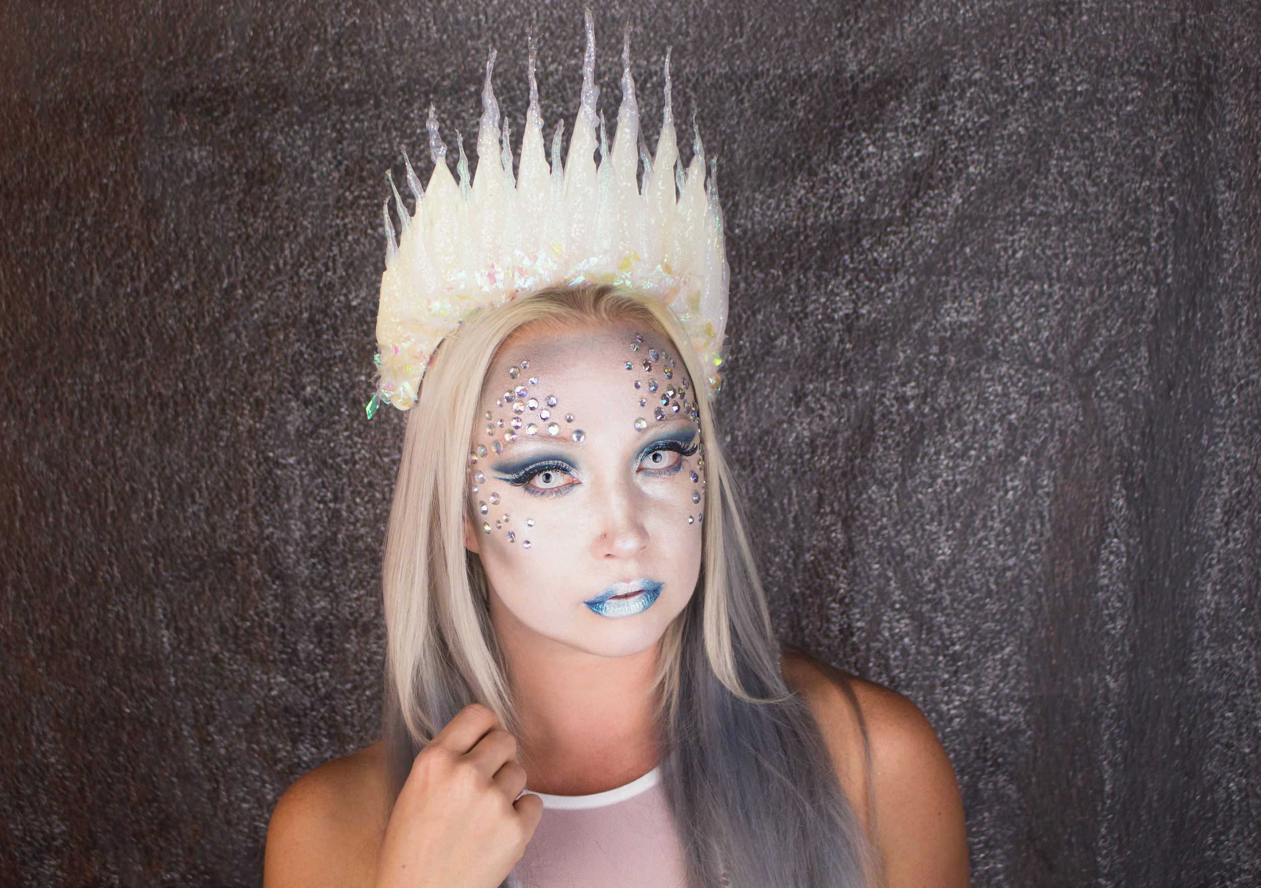 Emily Essentially | Beauty | Halloween Ice Queen Makeup Tutorial