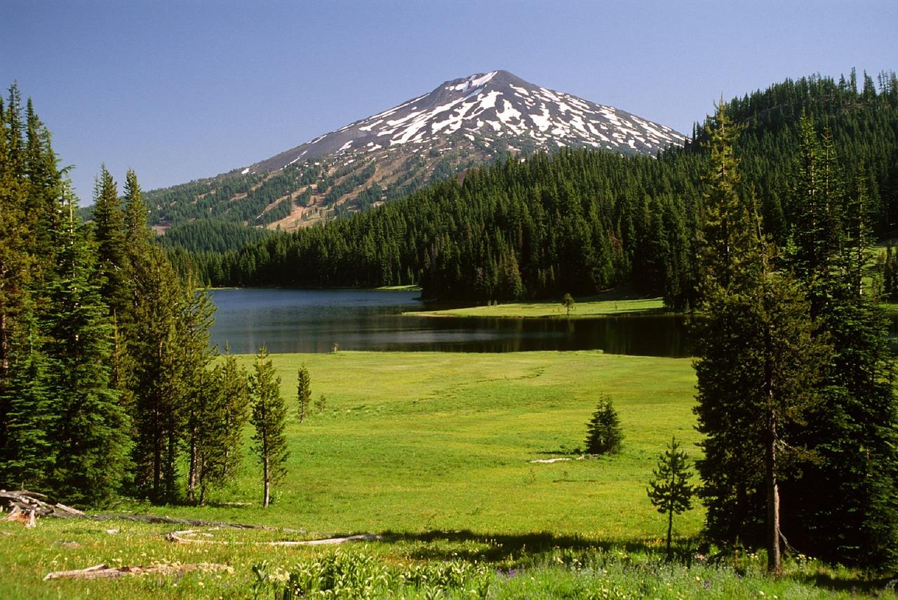 Mount Bachelor Lake