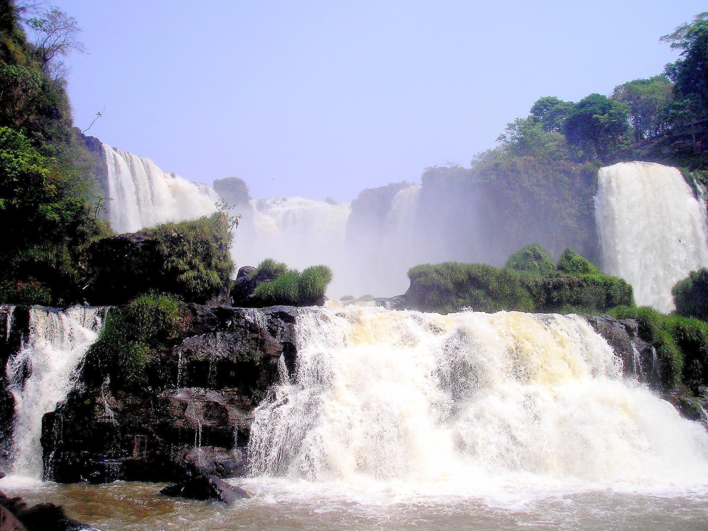 Saltos del Monday Waterfall