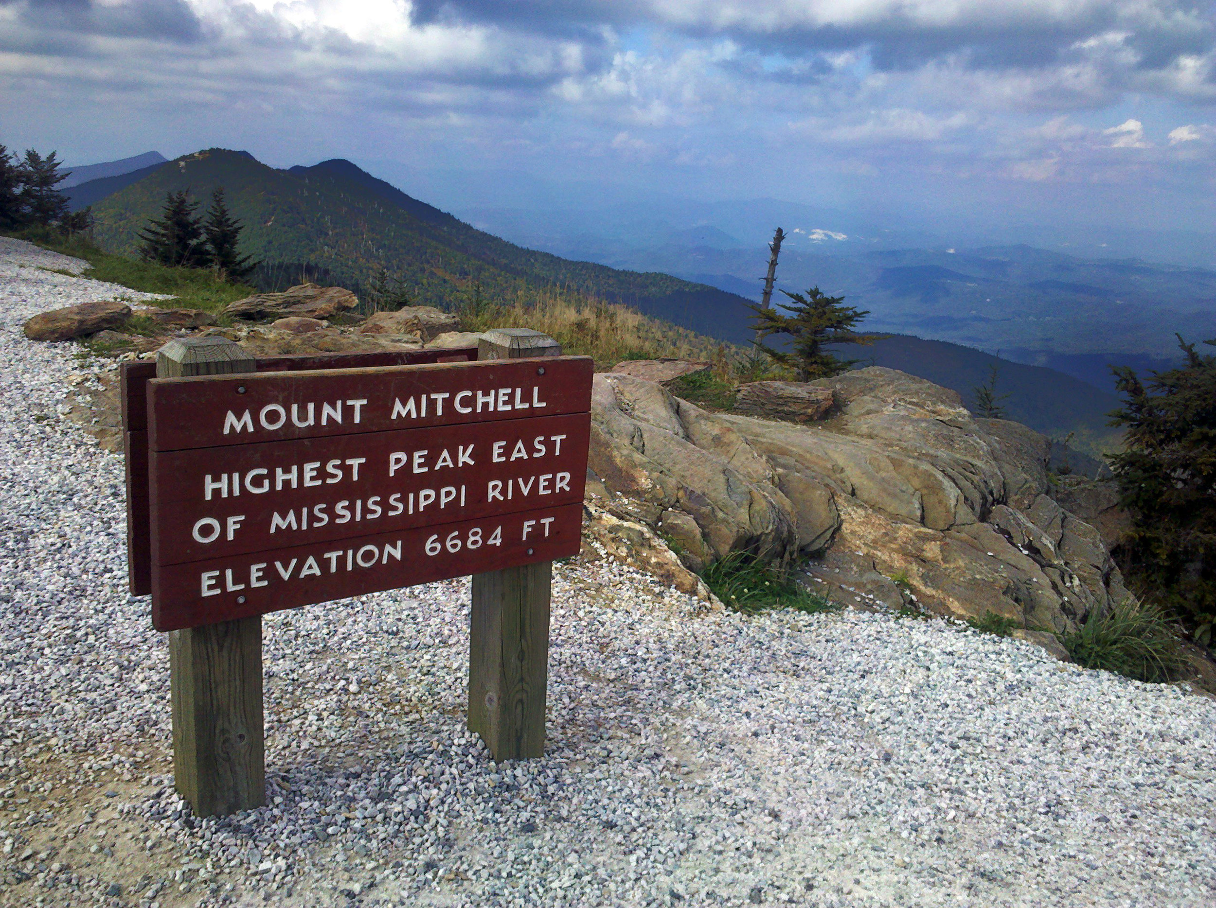 Mount_Mitchell_sign.jpg