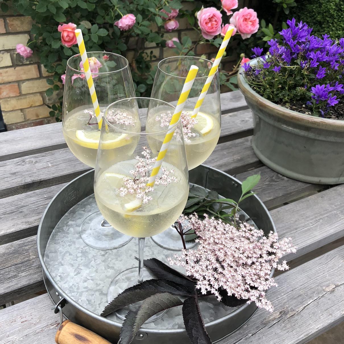 30 Days Wild Elderflower Cocktail