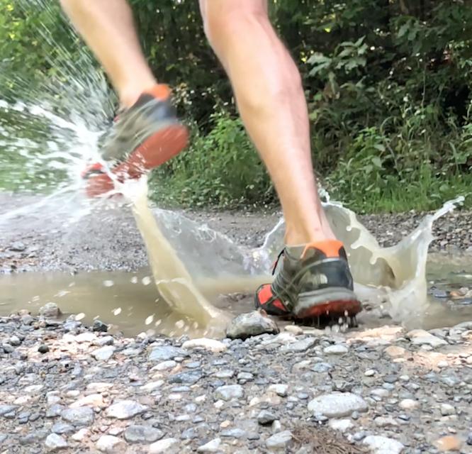 trail running feet.jpg