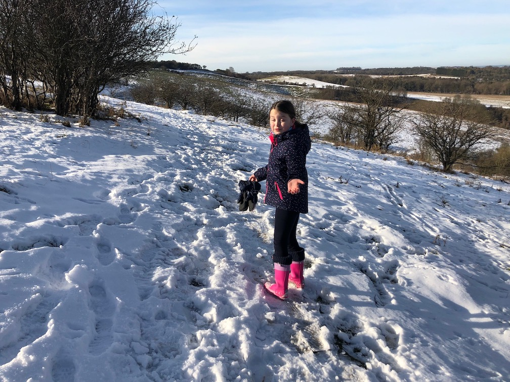 chilterns pegsdon hills walk snow deacon hill winter walking.jpg